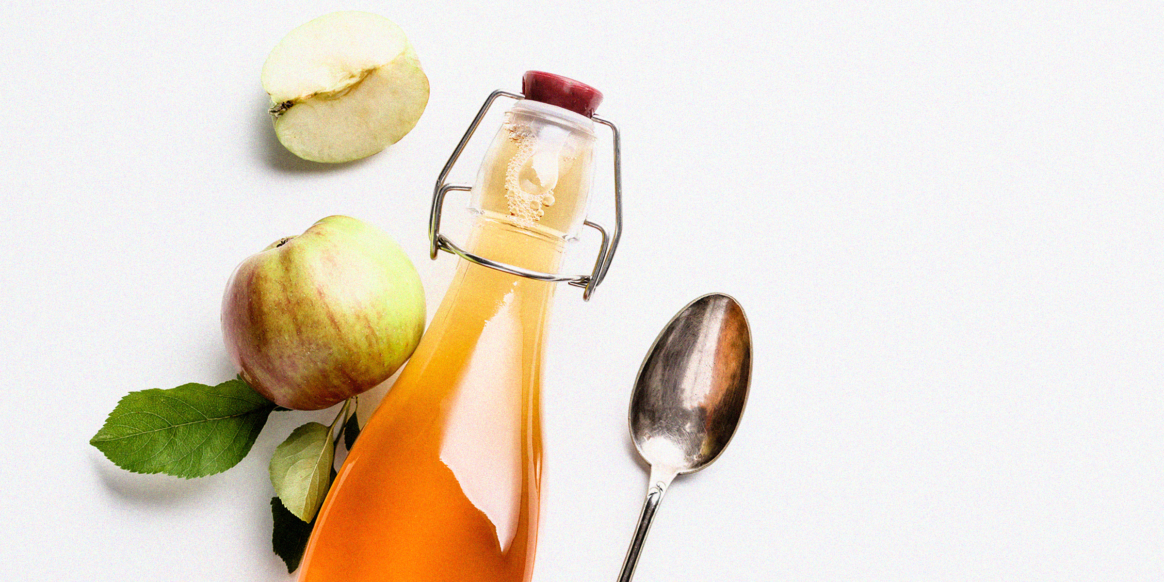 The benefits of apple cider vinegar, according to a dietitian