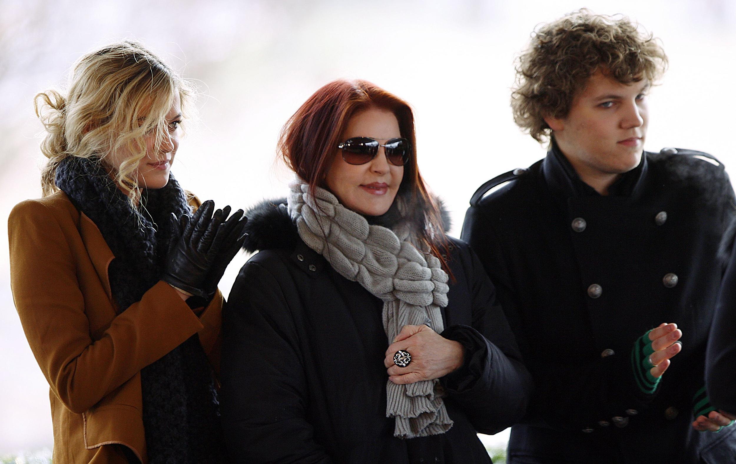 Presley son priscilla Report: Lisa
