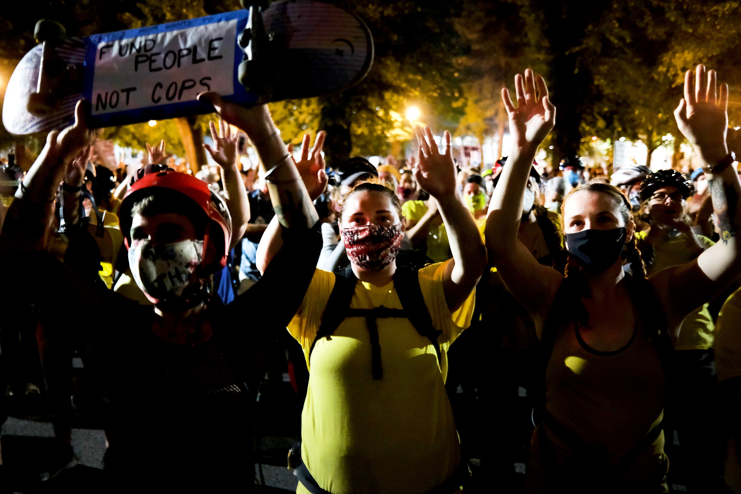 Portland-protests-peaceful-after-federal-officers-scale-back-presence