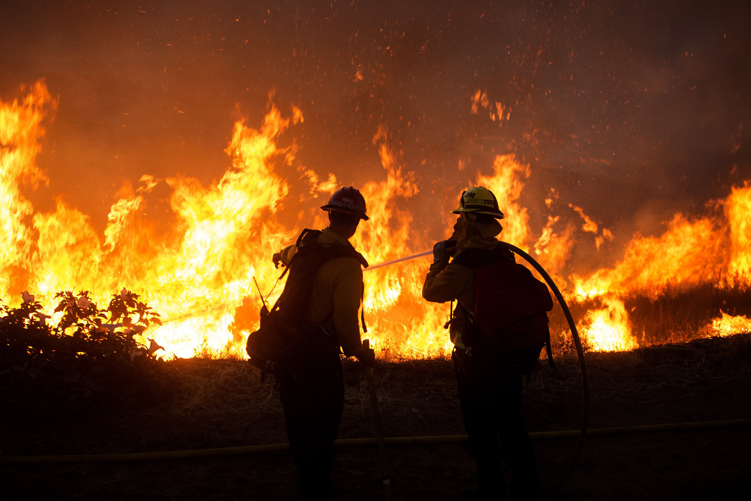 Southern-California-wildfire-forces-evacuations