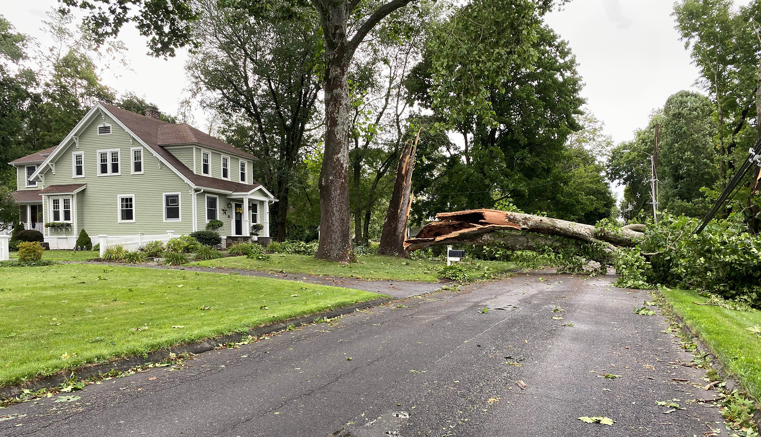 Connecticut-residents-still-without-power-days-after-Isaias