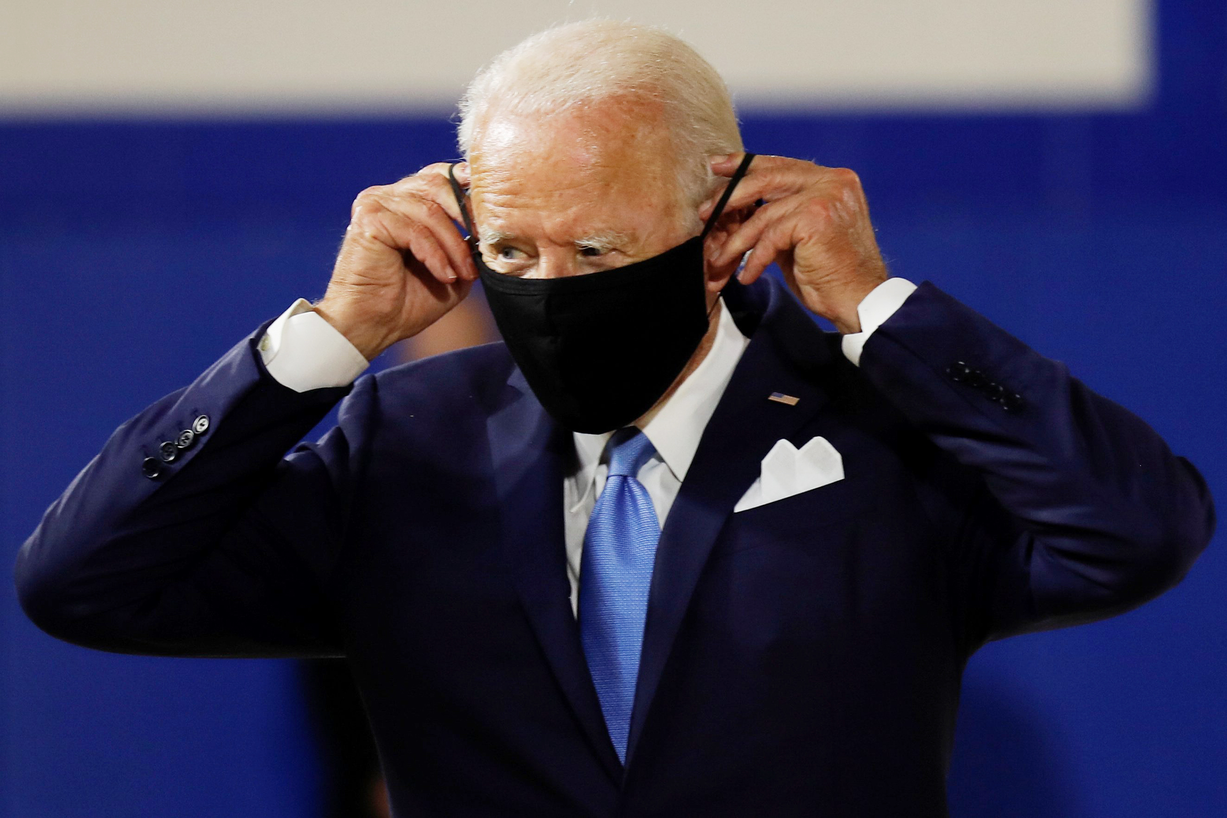 Biden reiterates call for nationwide mask mandates at second event with Harris