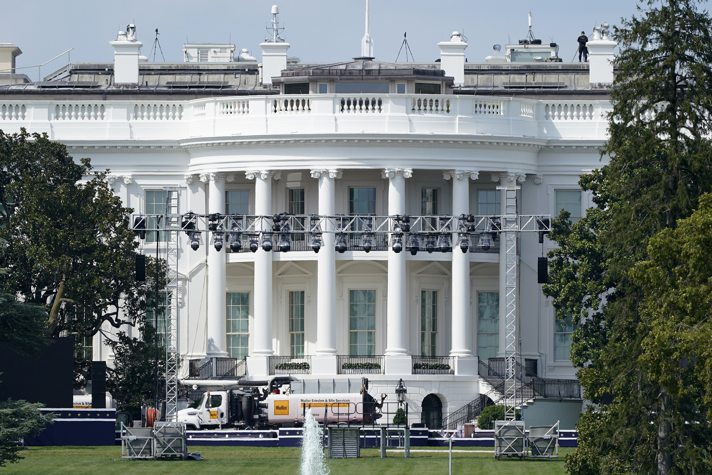White House transforms from people's house to campaign venue