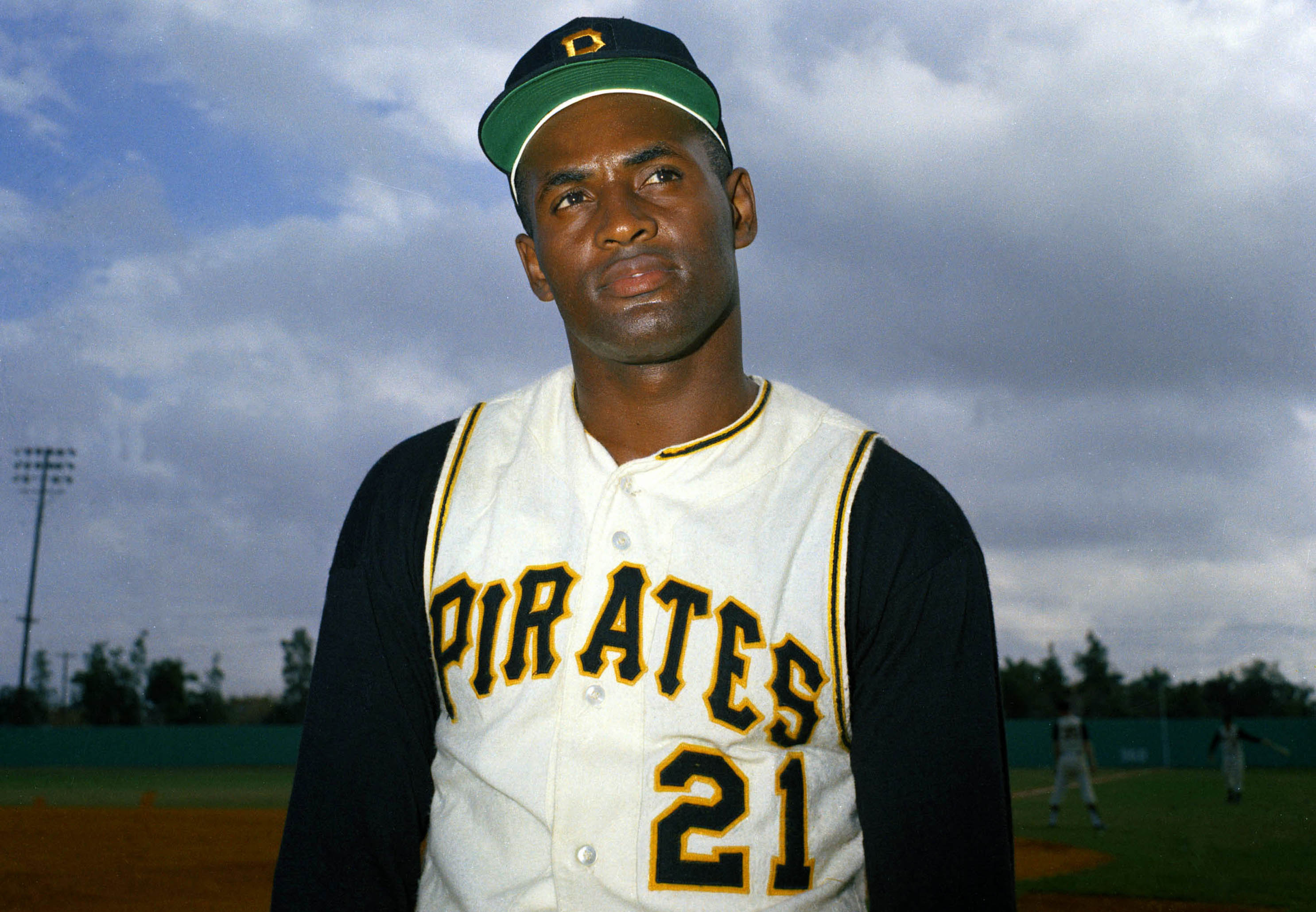 MLB's Pirates will honor Roberto Clemente by wearing his number