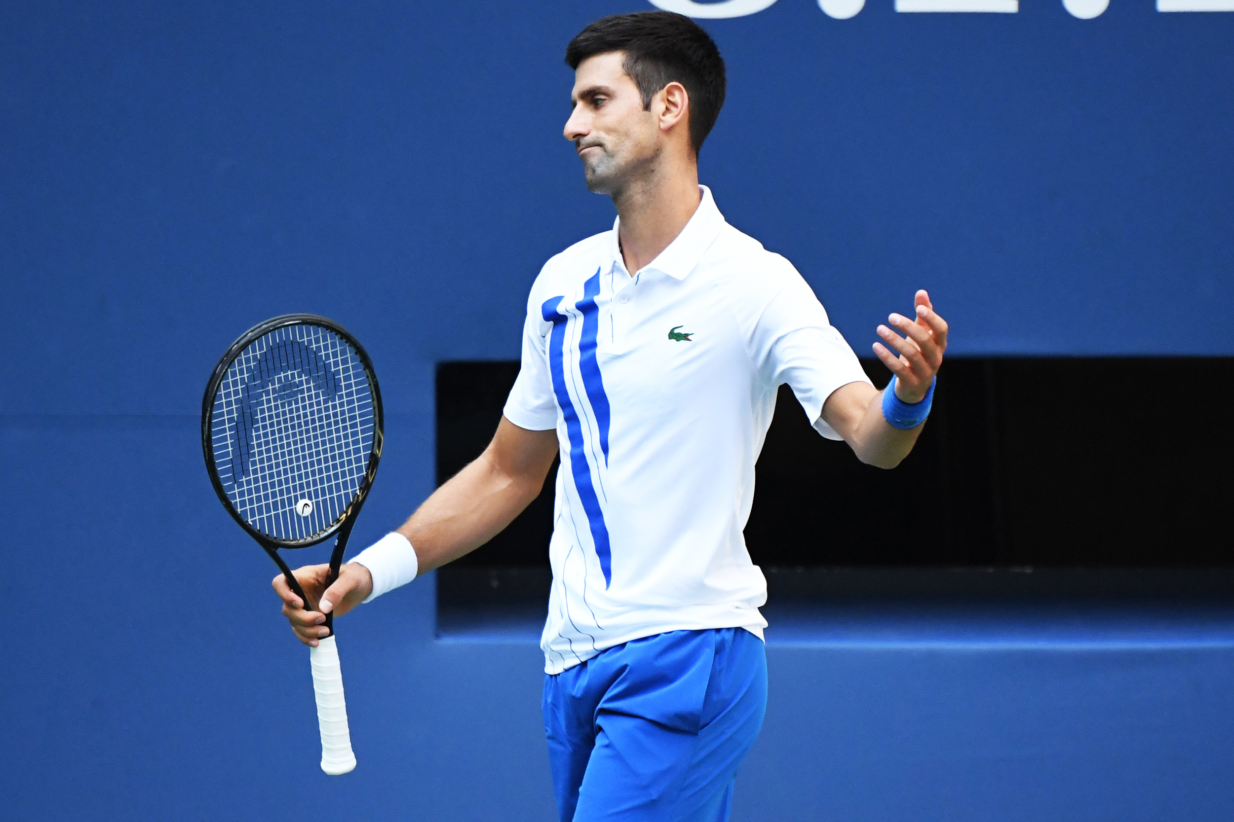 Novak Djokovic Disqualified From U S Open For Hitting Line Judge With Ball