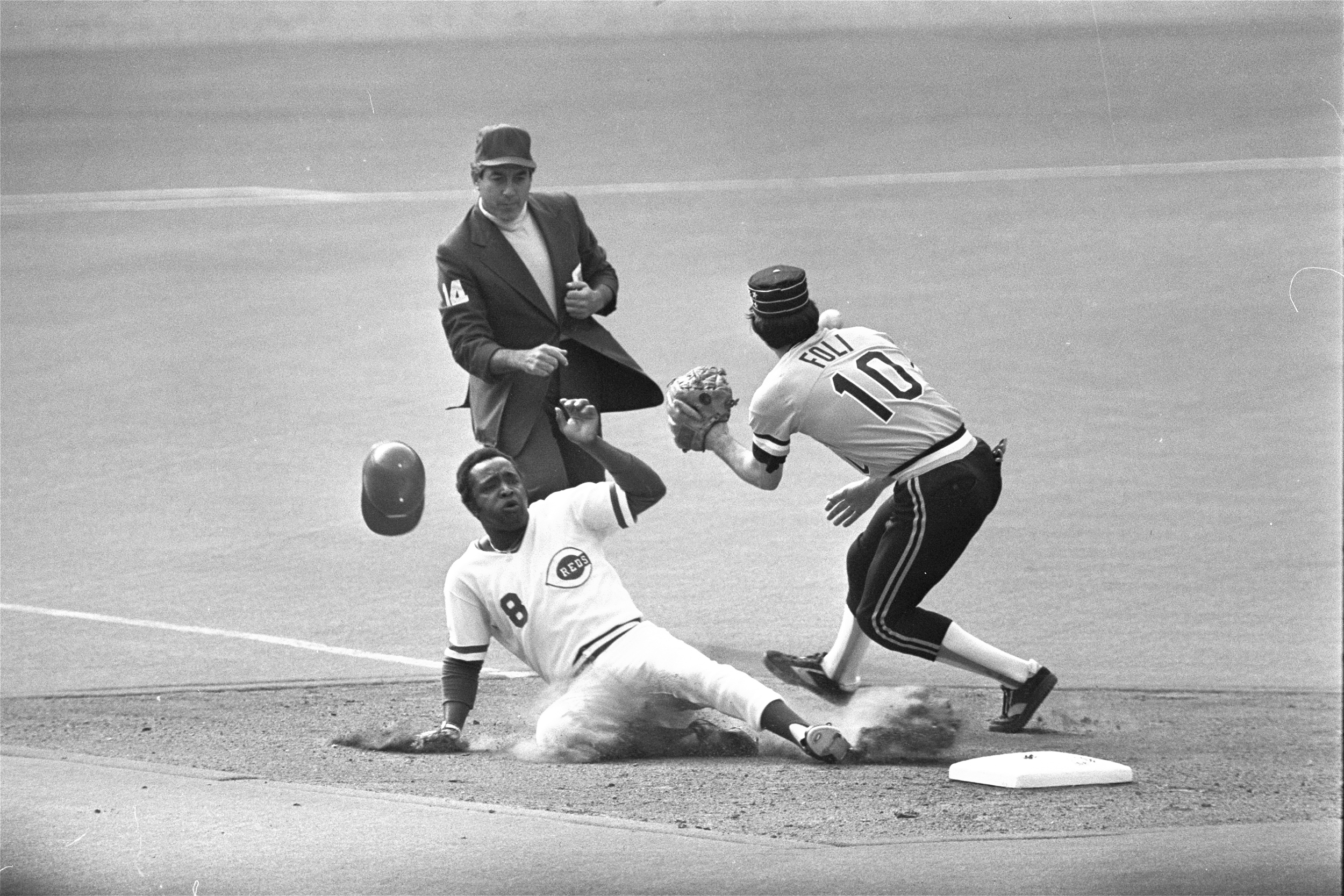 Joe Morgan Cincinnati Reds Second Baseman And Heart Of 1970s Big Red Machine Dies At 77 Spending time with the houston colt.45's/astros, cincinnati reds, philadelphia phillies, and oakland a's. https www nbcnews com news sports joe morgan cincinnati reds second baseman heart 1970s big red n1242949