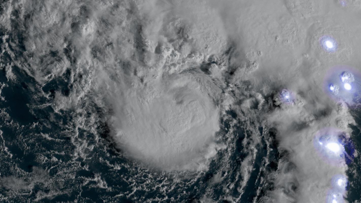 201020-hurricane-epsilon-noaa-ac-1331p_a