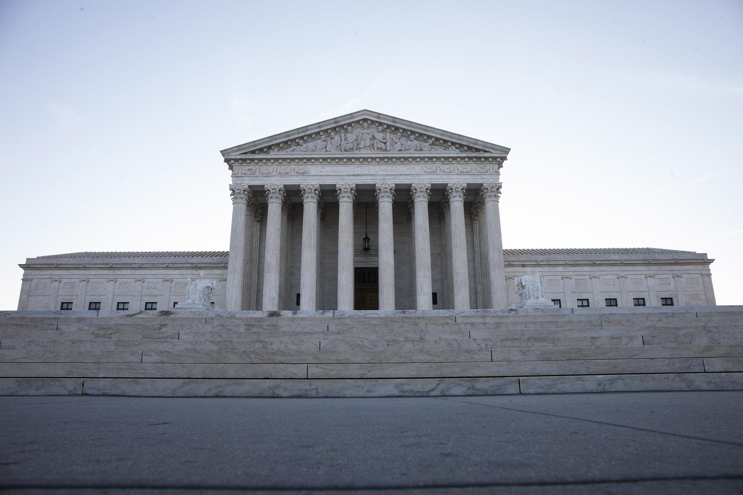 201127-supreme-court-mc-1429_e13609396de