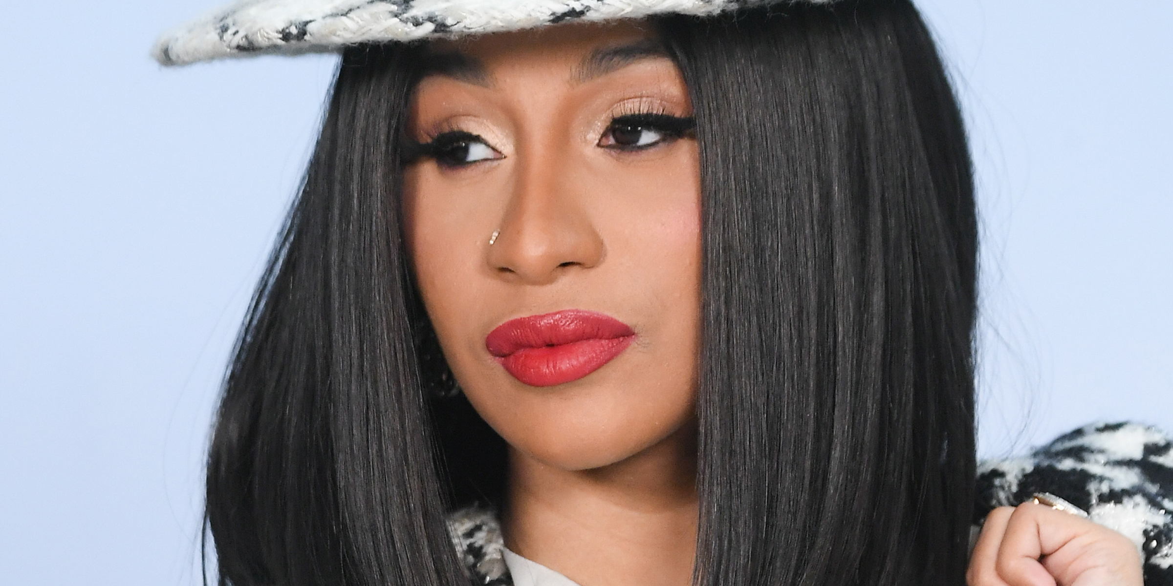 Cardi B apologizes after hosting nearly 40 people for Thanksgiving