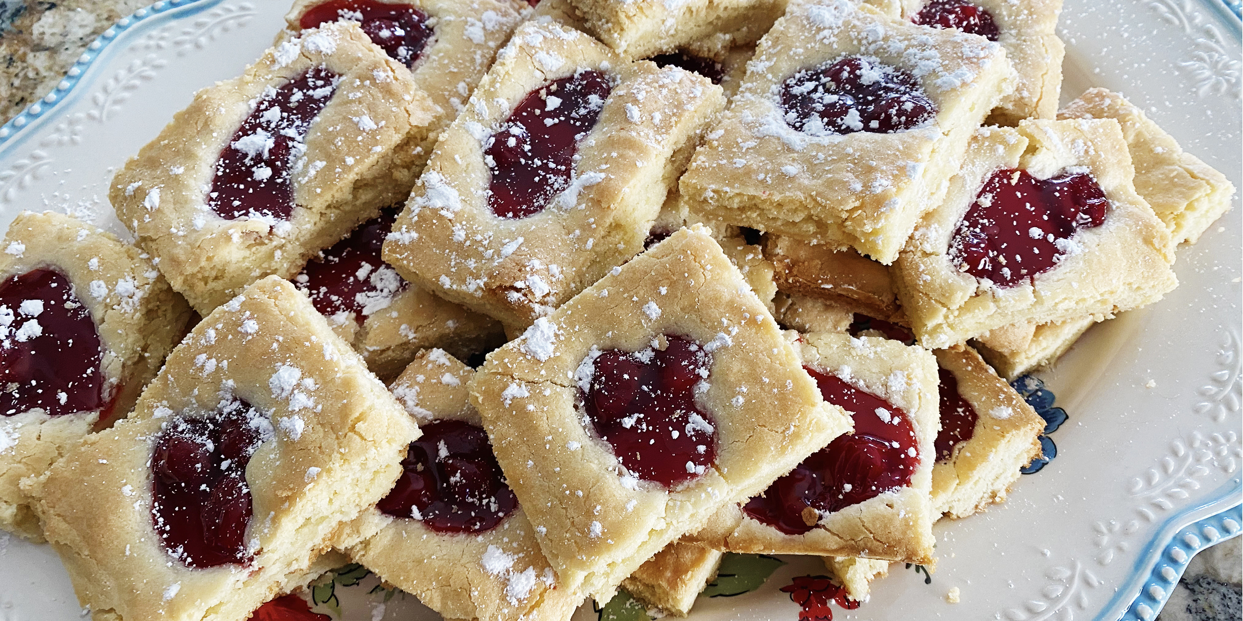 How To Make Reddit Famous Cherry Pie Bars Today