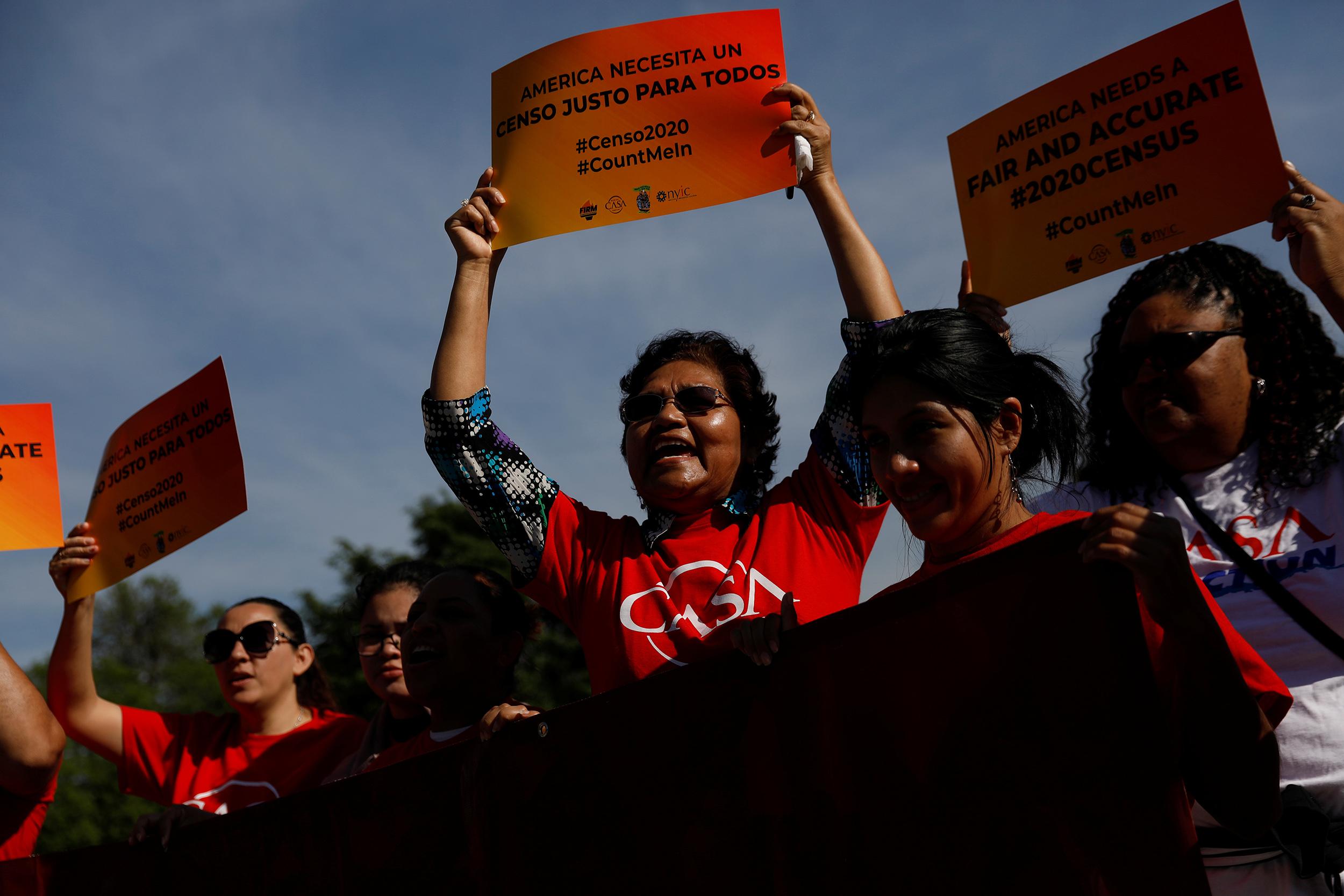 201214-census-protest-supreme-court-se-1