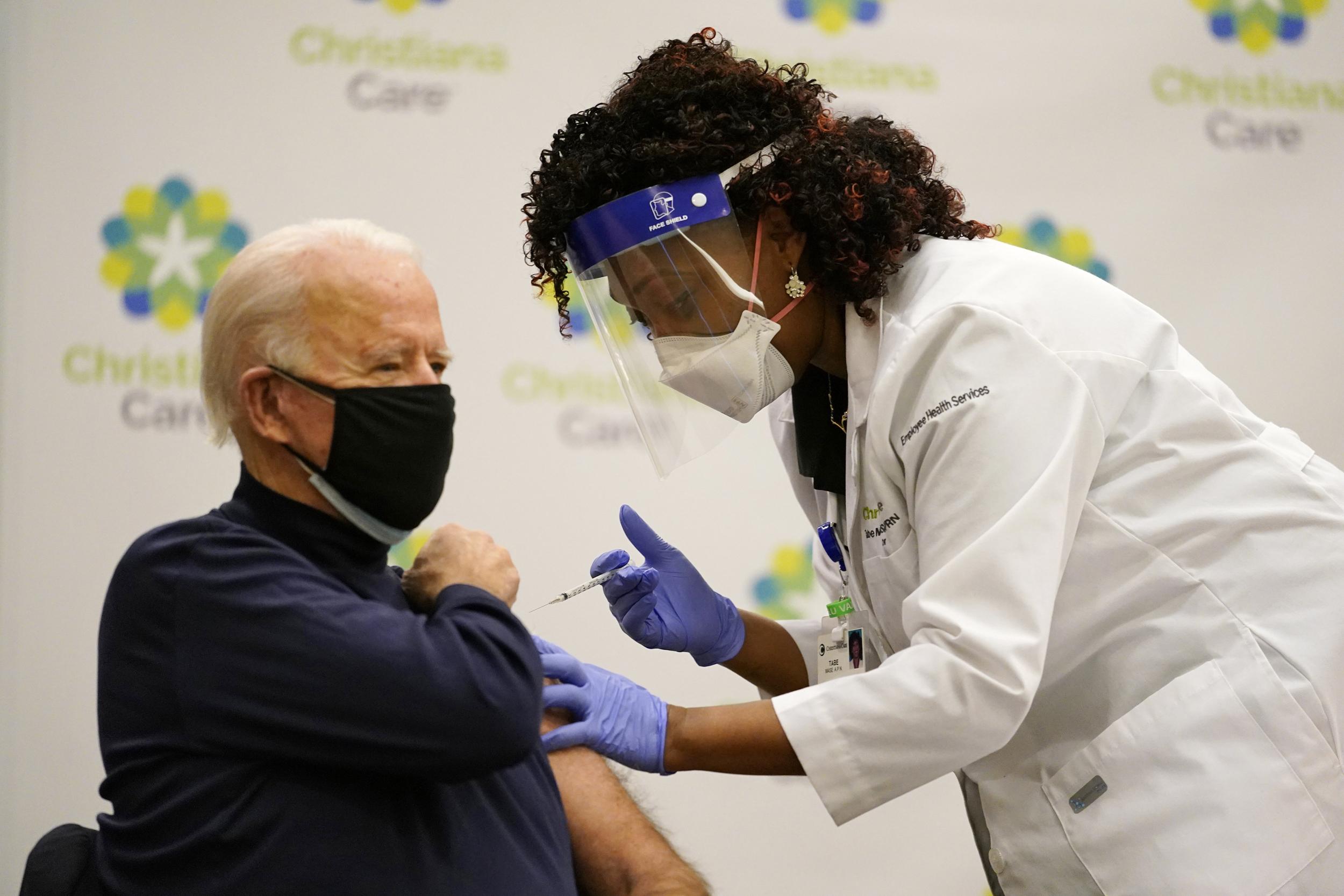 Além de Britney, 200 milhões de norte-americanos devem estar vacinados no fim de abril. (Foto: Reprodução / NBC News)