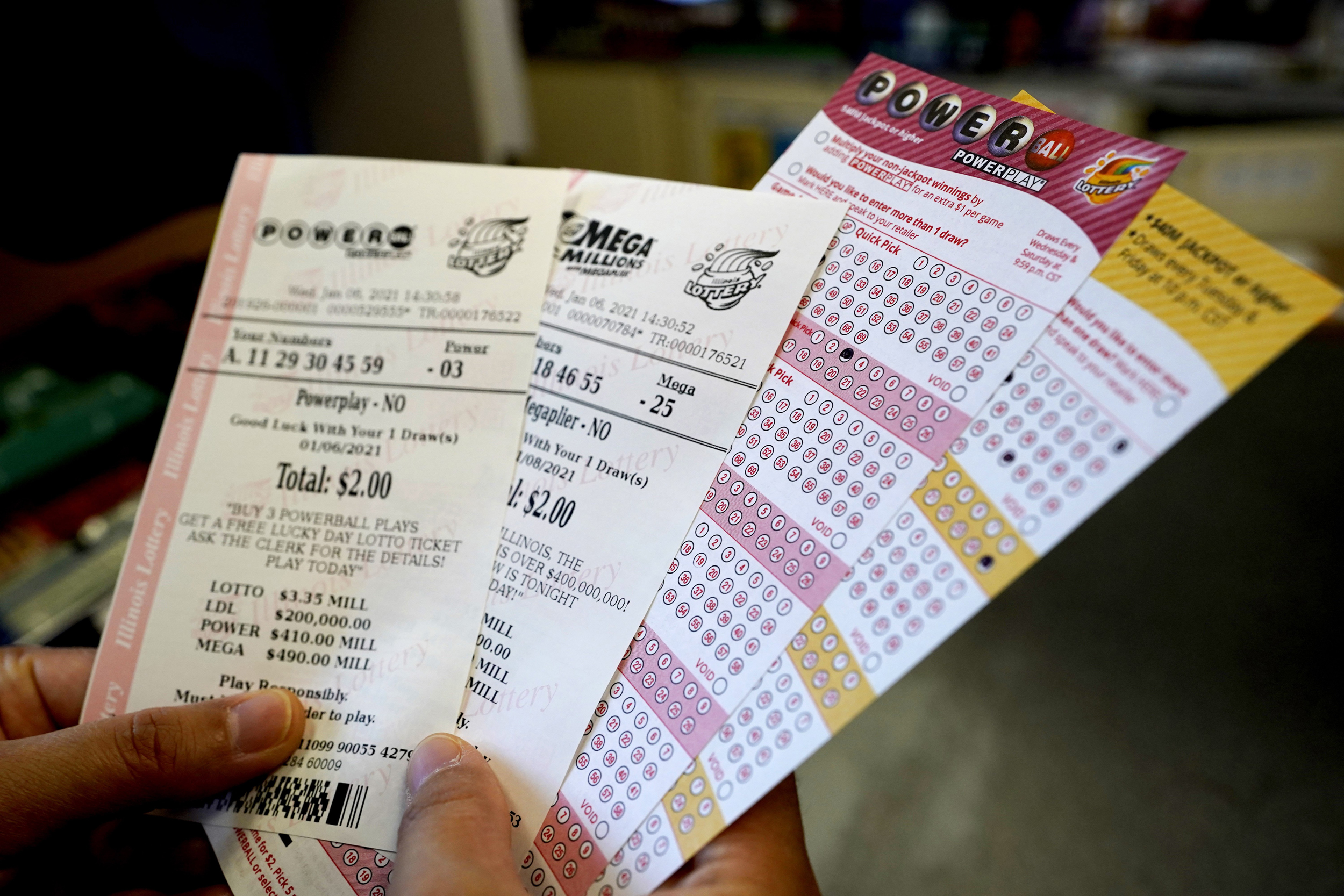More Than 1 Billion Up For Grabs Between Mega Millions Powerball Jackpots