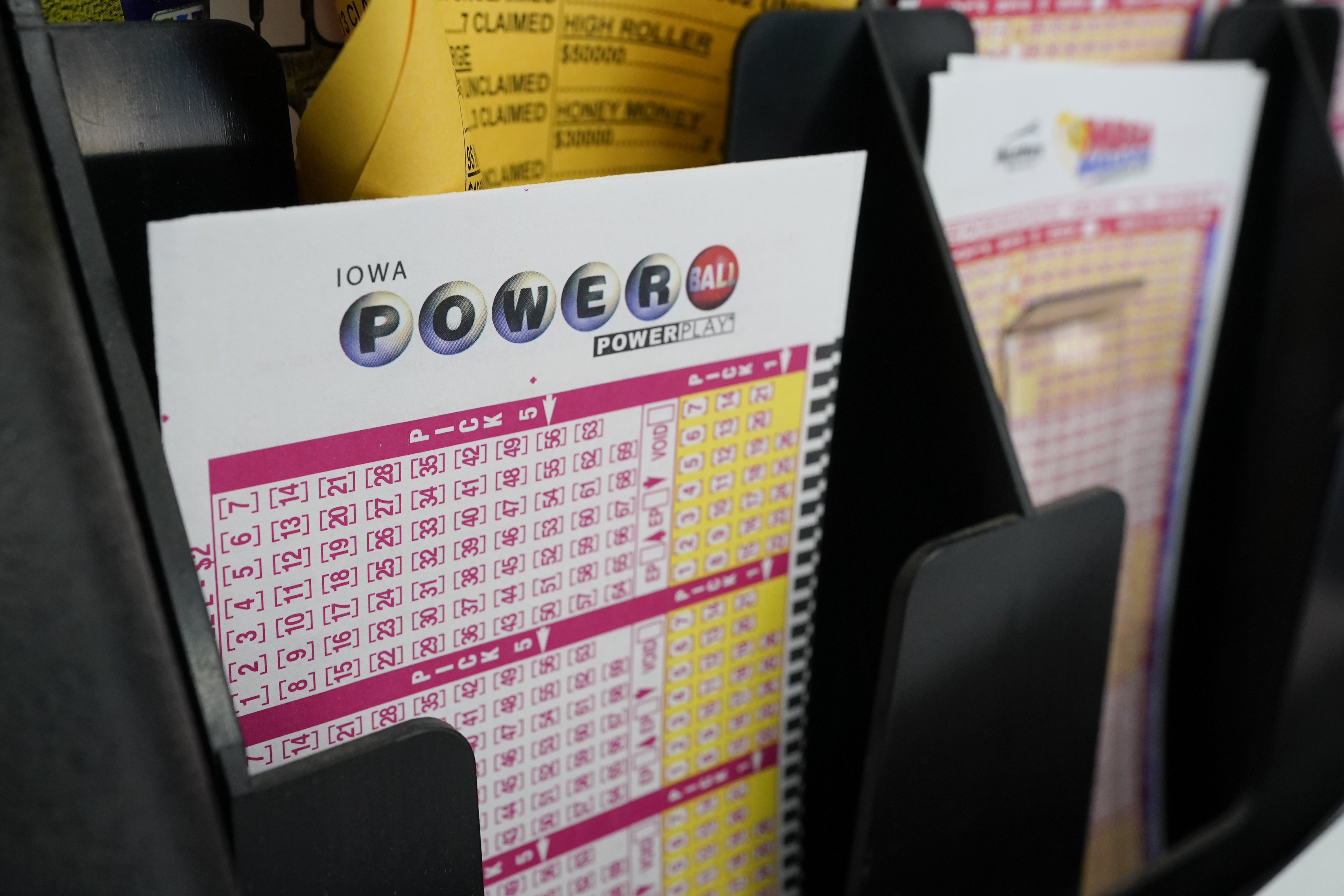 Powerball jackpot rises to $620 million, 10th largest in U.S. history