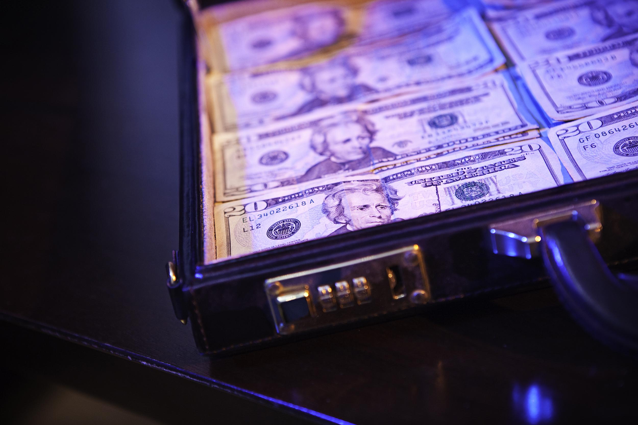 210212-cash-in-briefcase-stock-se-546p_8
