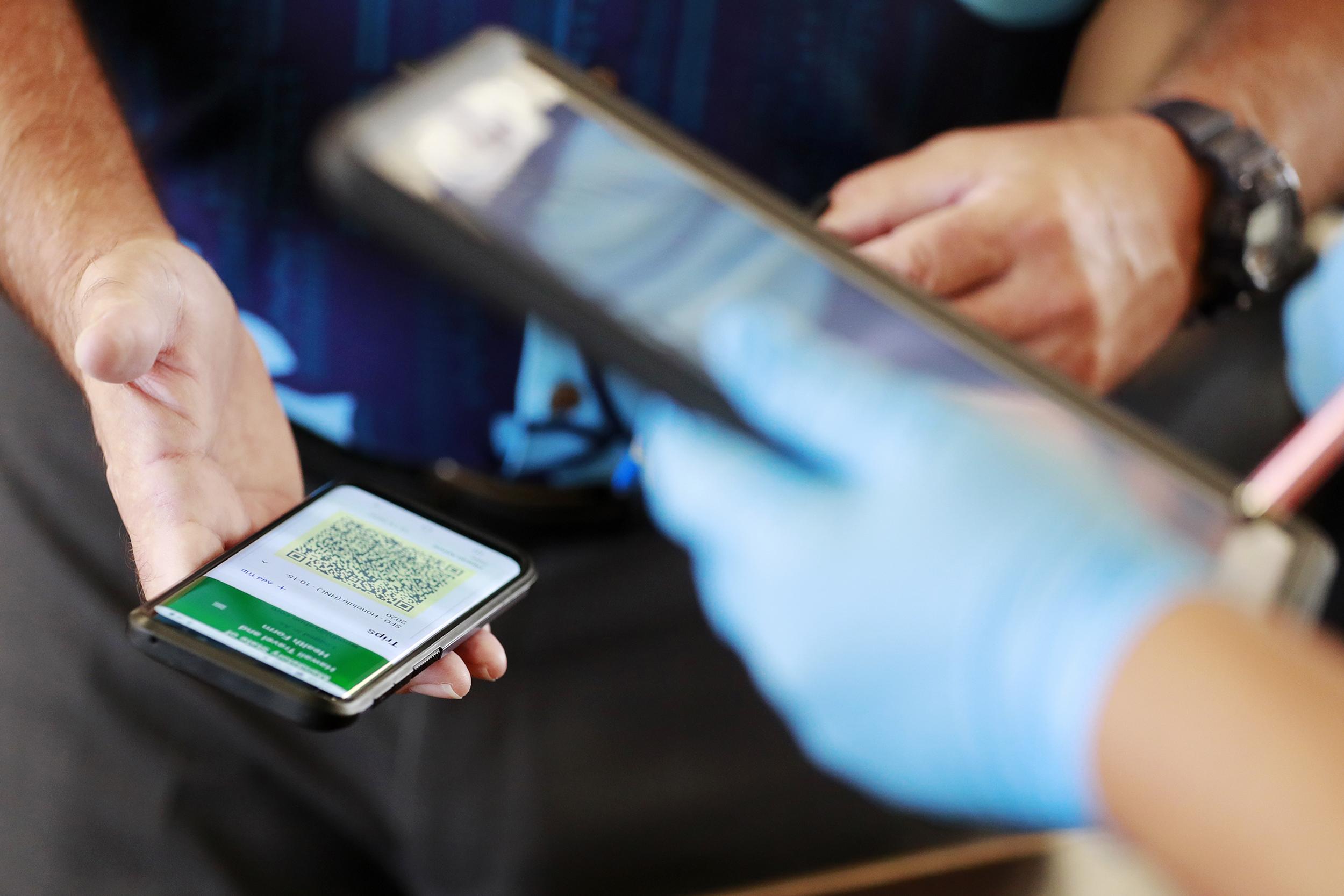 210218-hawaii-data-share-cellphone-2020-