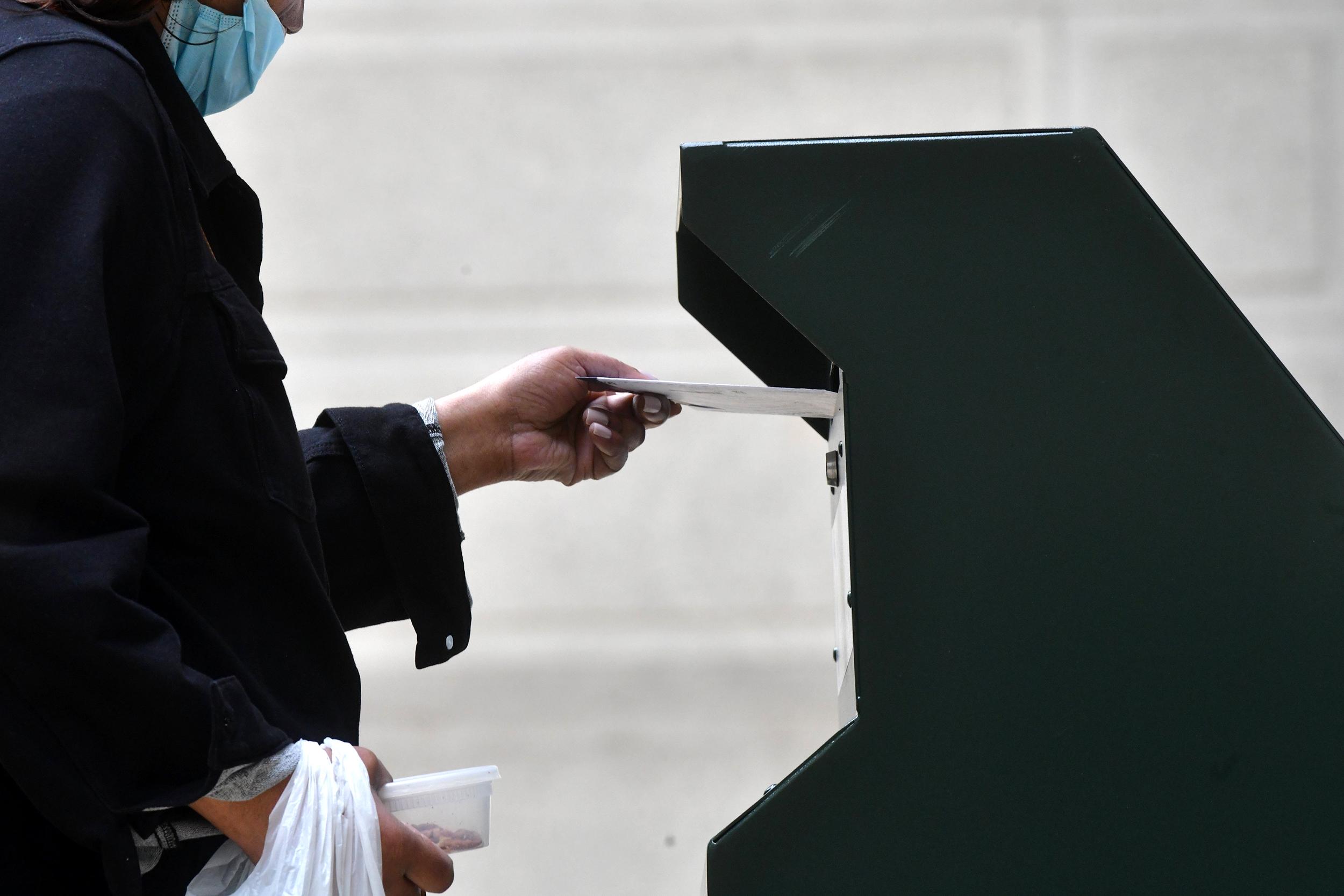201029-philadelphia-ballot-drop-box-ac-6