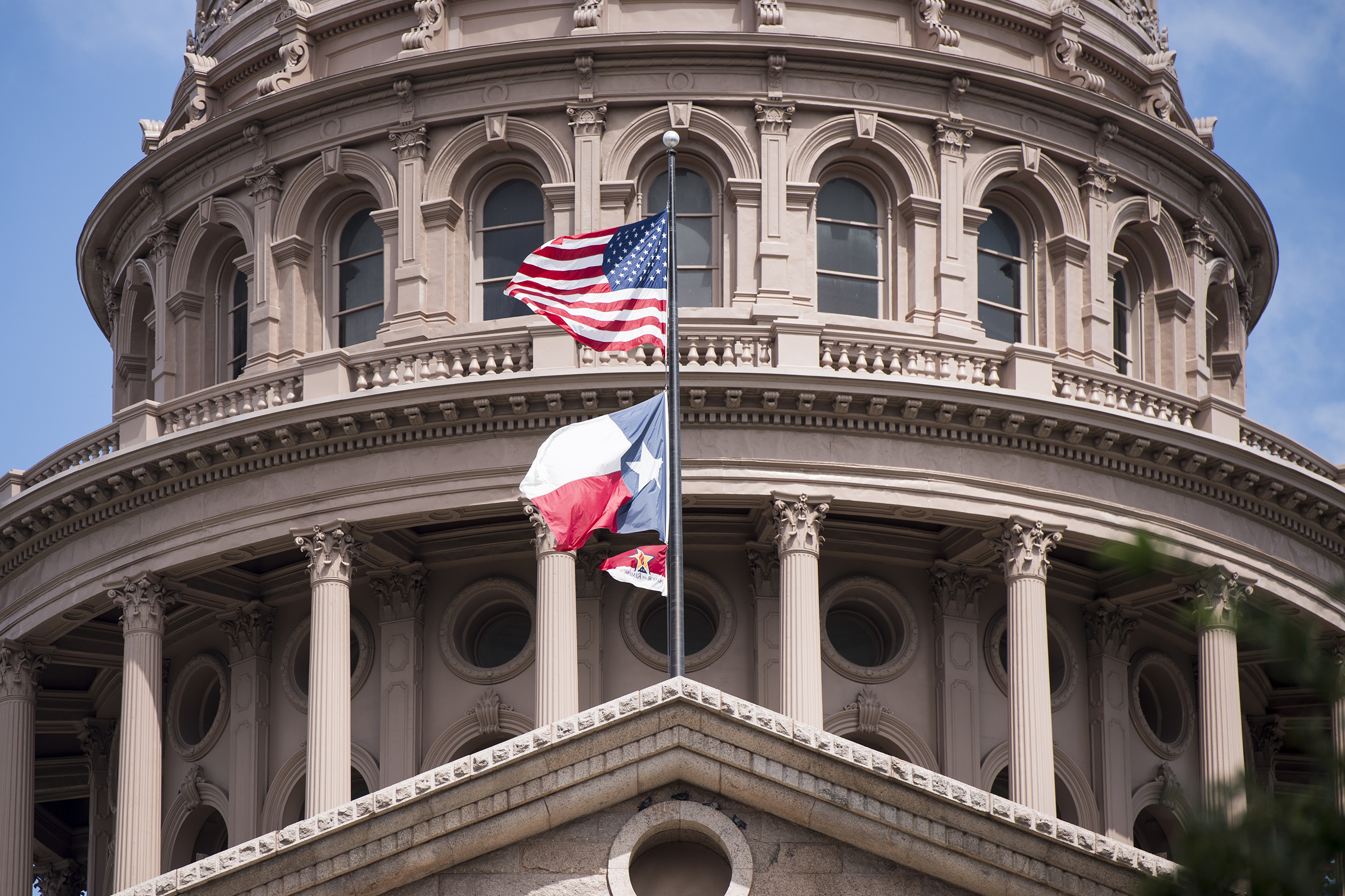Pressure mounts on holdouts as Texas House speaker signs civil arrest warrants for 52 Democrats