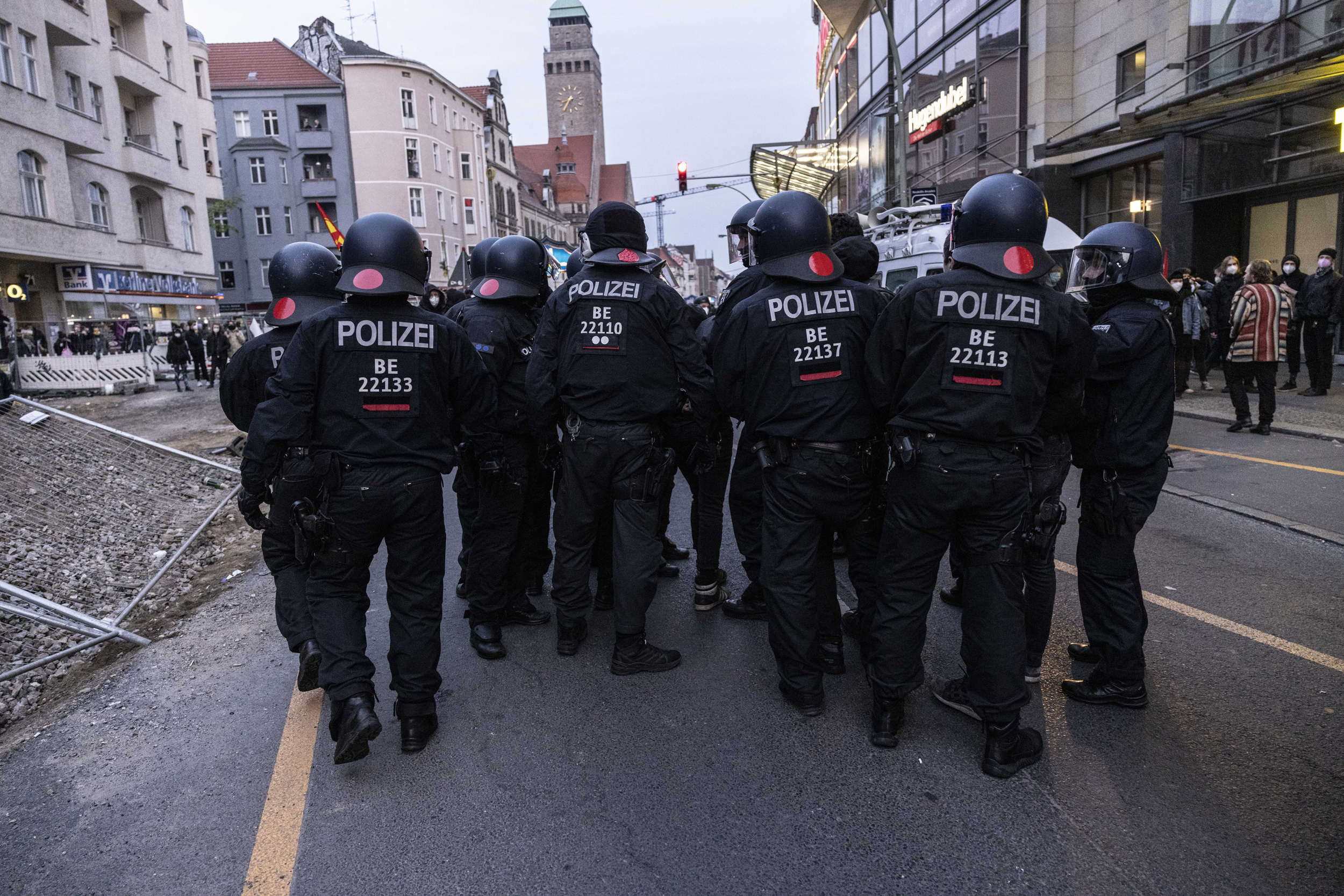 210503-germany-police-al-0951_d8321a31f9