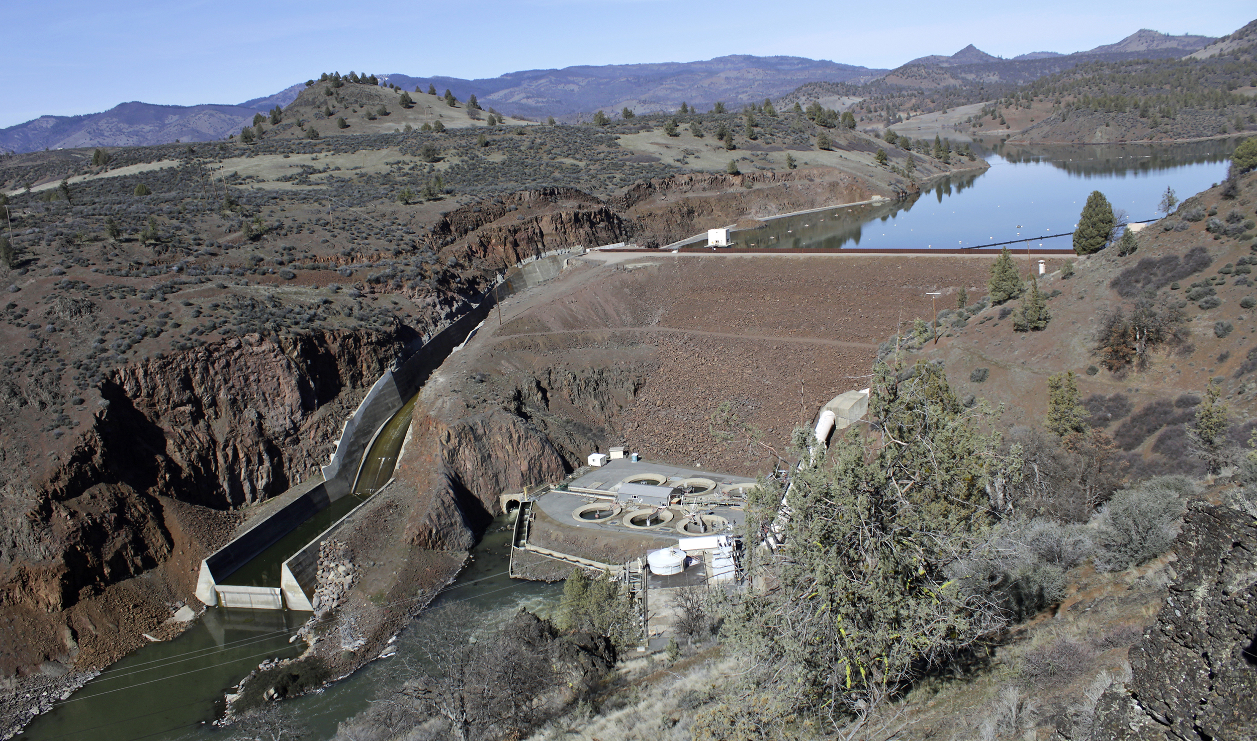 210514-california-iron-gate-dam-2020-ac-