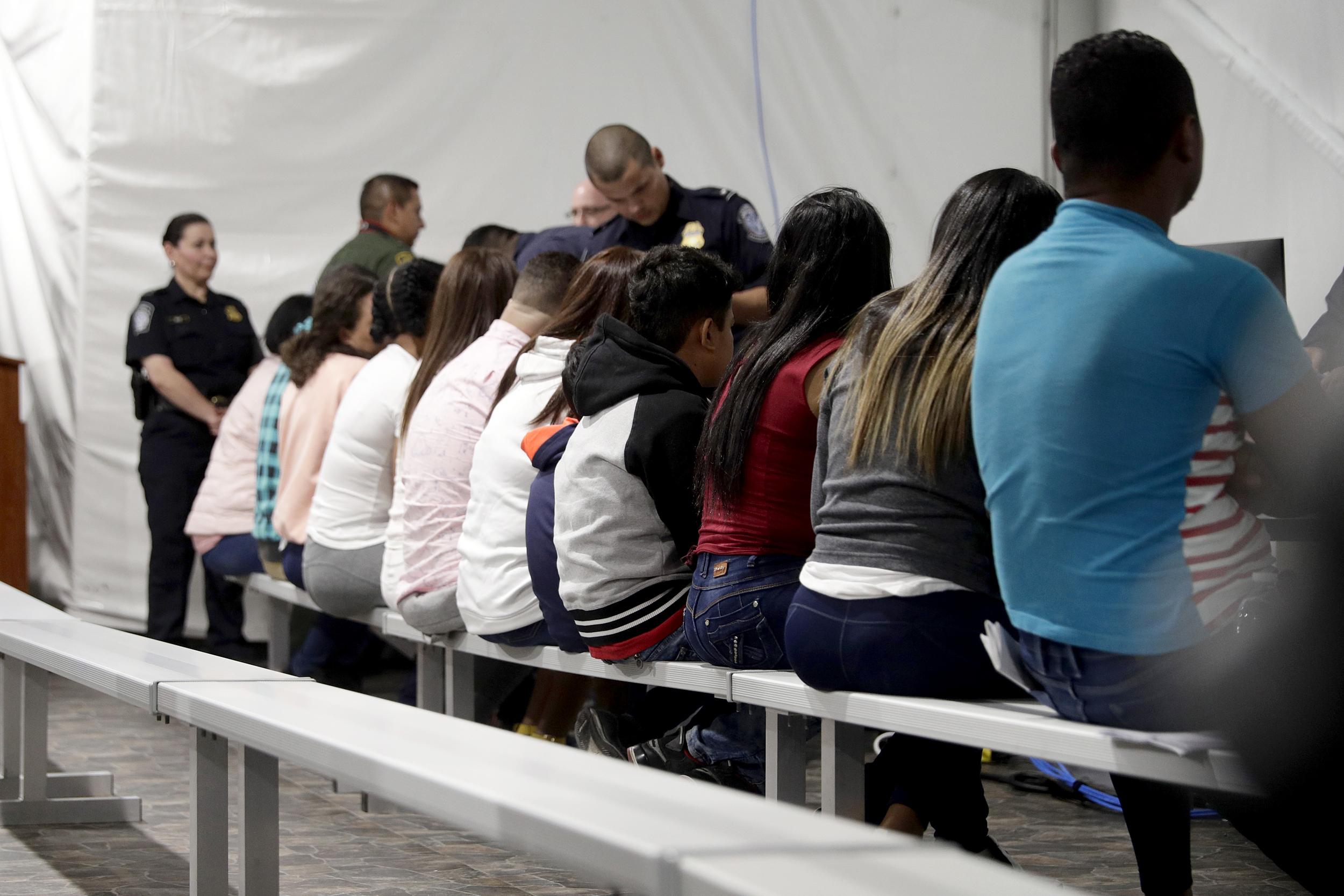 210611-migrants-asylum-laredo-ew-344p_cb
