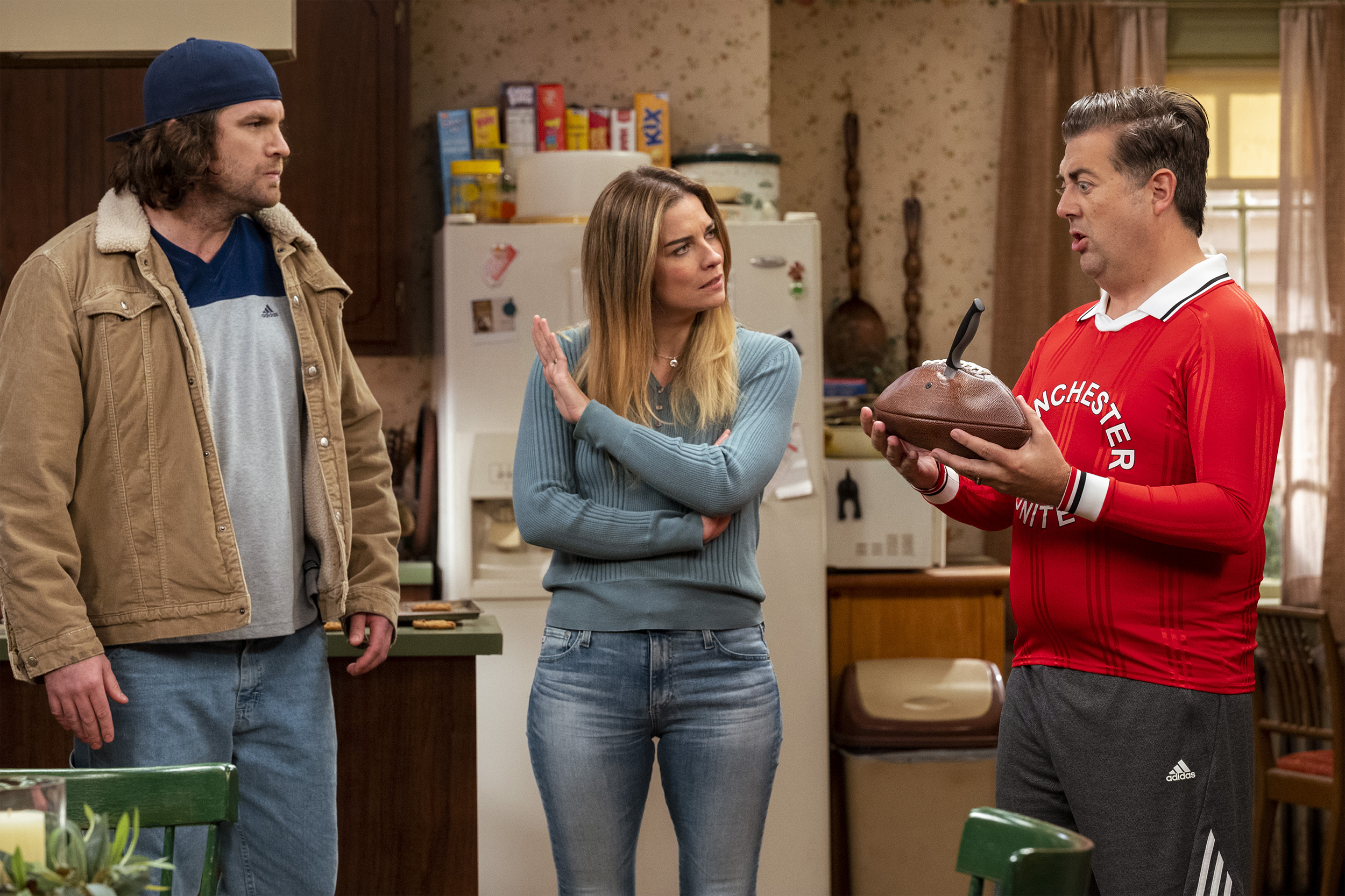 In 'Kevin Can F--- Himself,' Annie Murphy reveals what those sitcom tropes were hiding