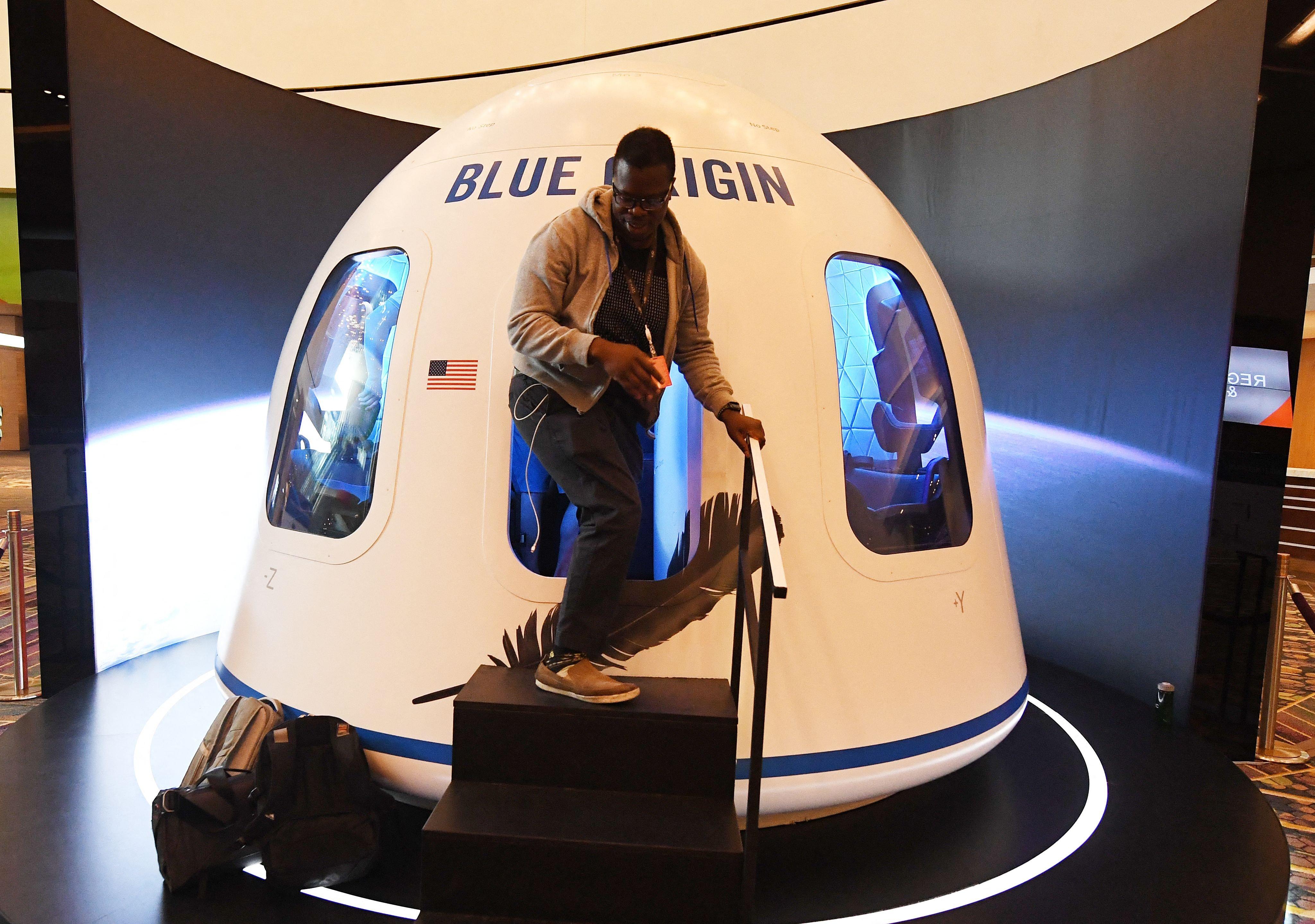 $28 million bid buys ride to space on Bezos' Blue Origin flight