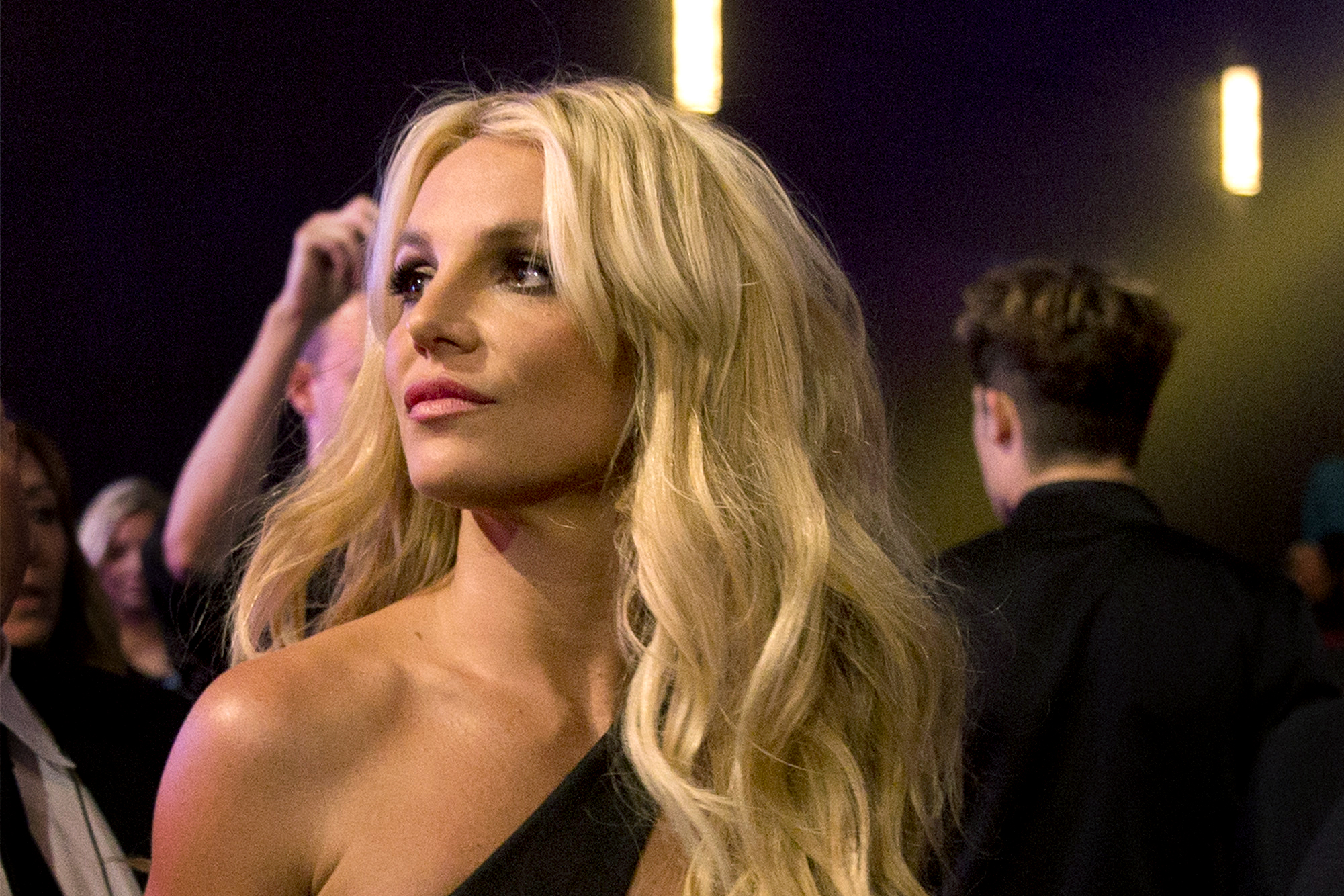 Britney Spears called 911 to report a theft but did not pursue action
