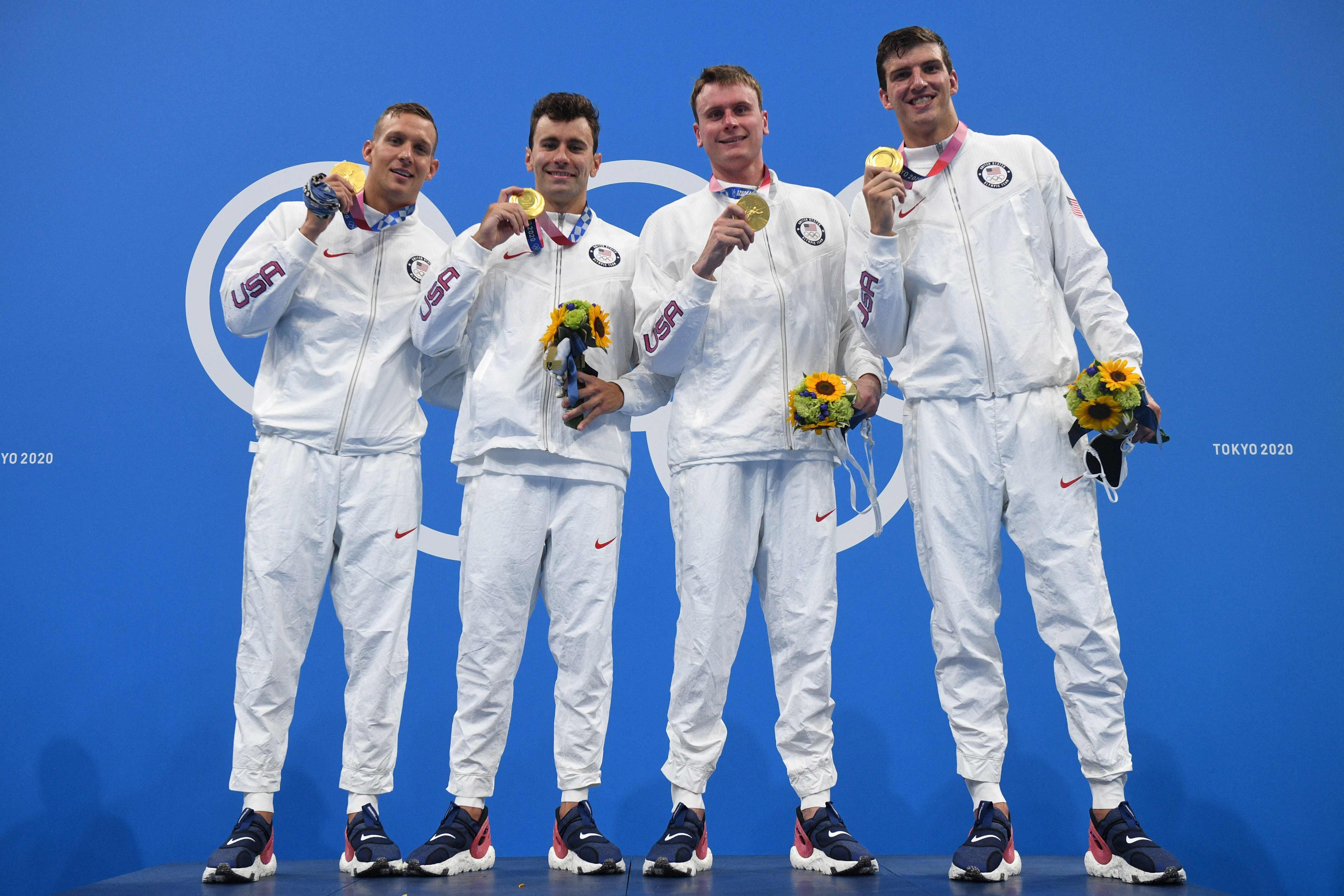 U.S. wins gold in men's 4x100m freestyle relay