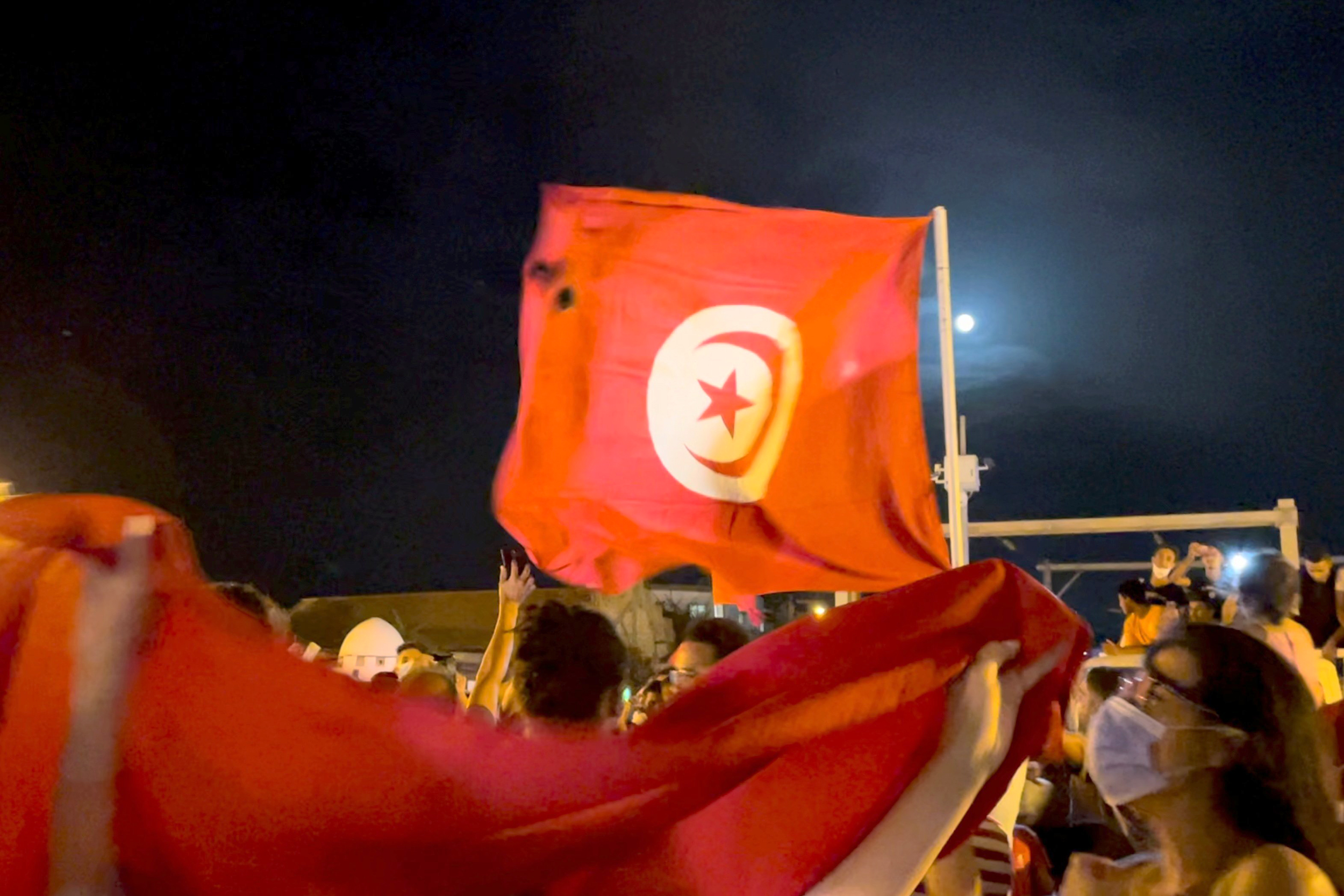 Birthplace of 'Arab Spring' in crisis after Tunisia's president ousts government