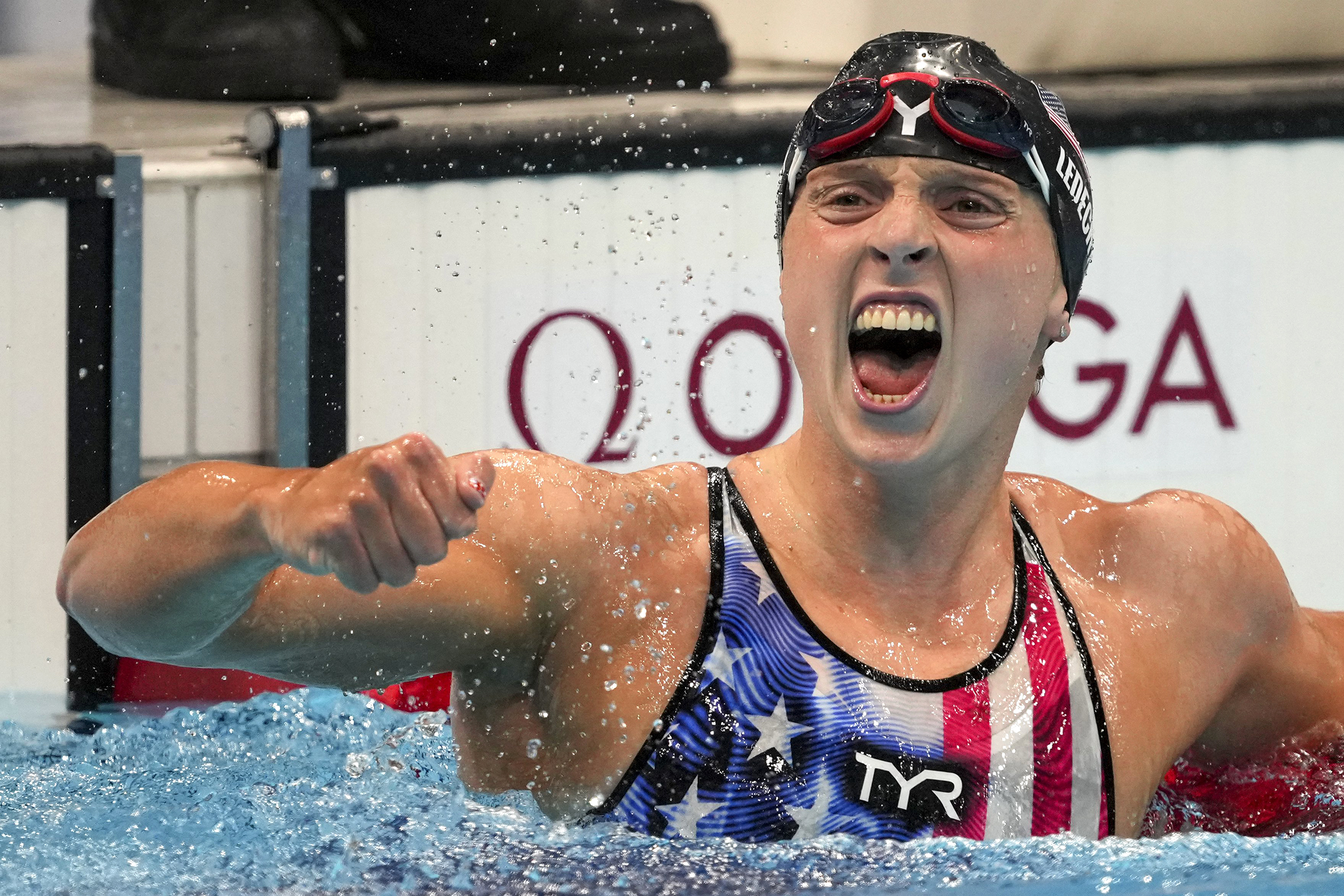 Katie Ledecky claims gold in Olympic debut of 1500-meter race