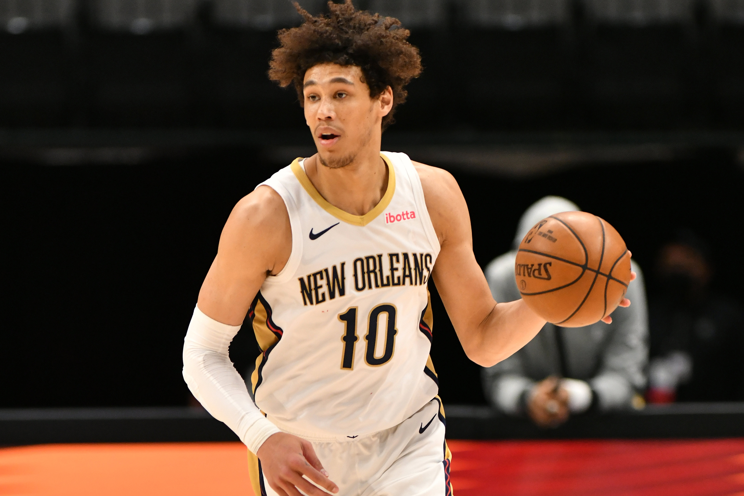 NBA's Jaxson Hayes taken down by police with stun guns during arrest in Los Angeles, police say