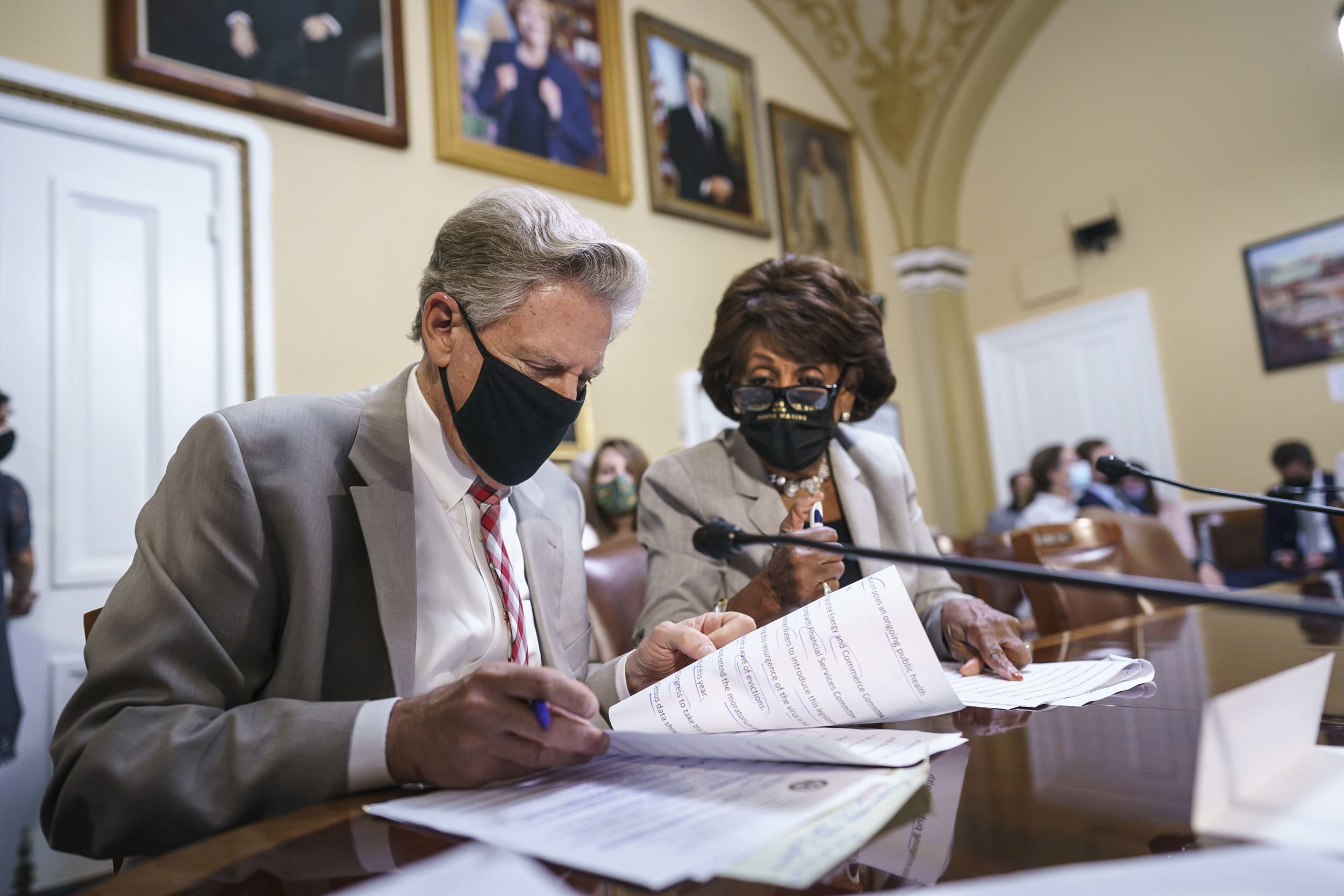 Congress scrambles to extend eviction moratorium expiring Saturday