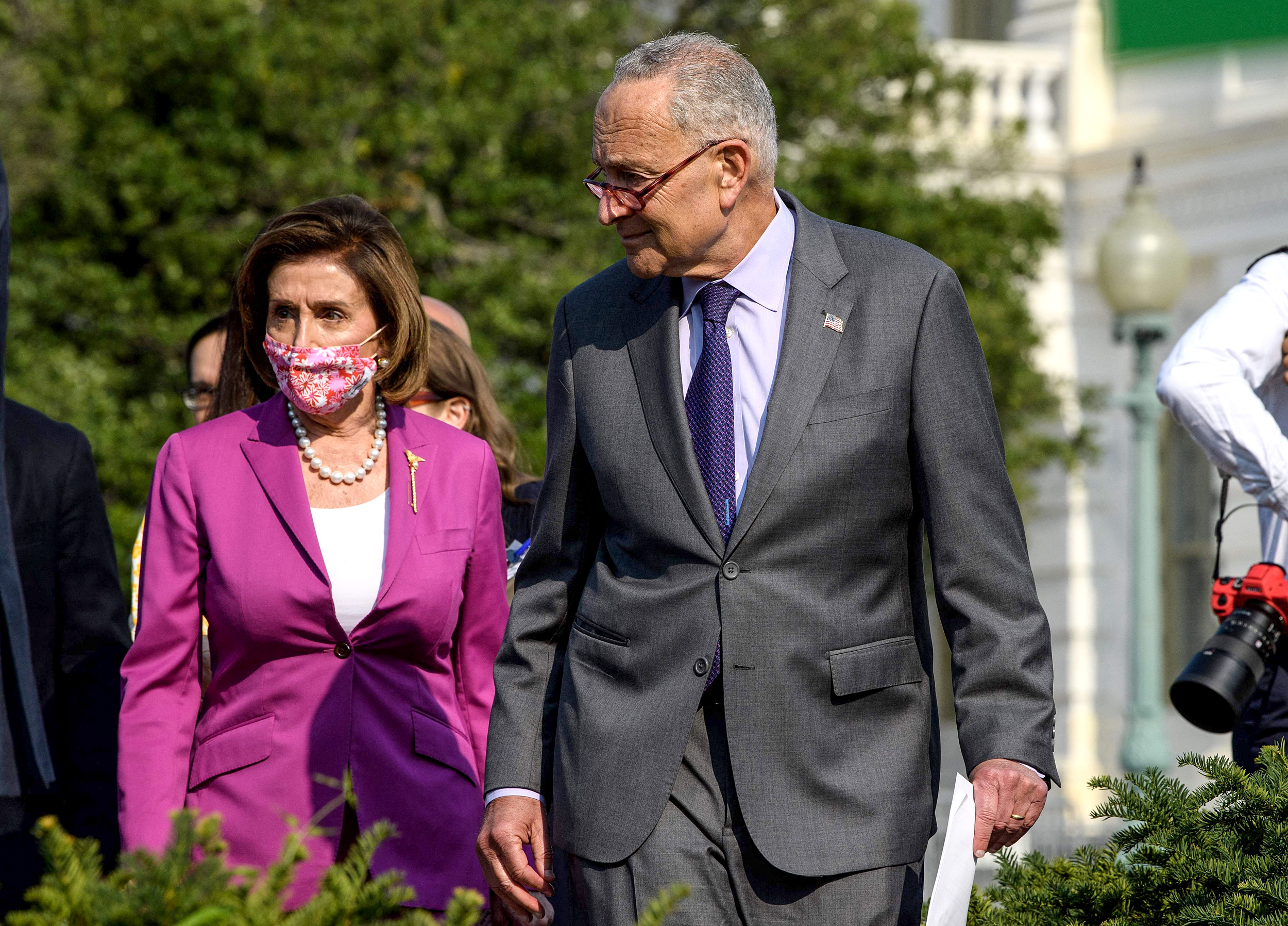Pelosi, Schumer discuss slimmed-down voting bill with White House