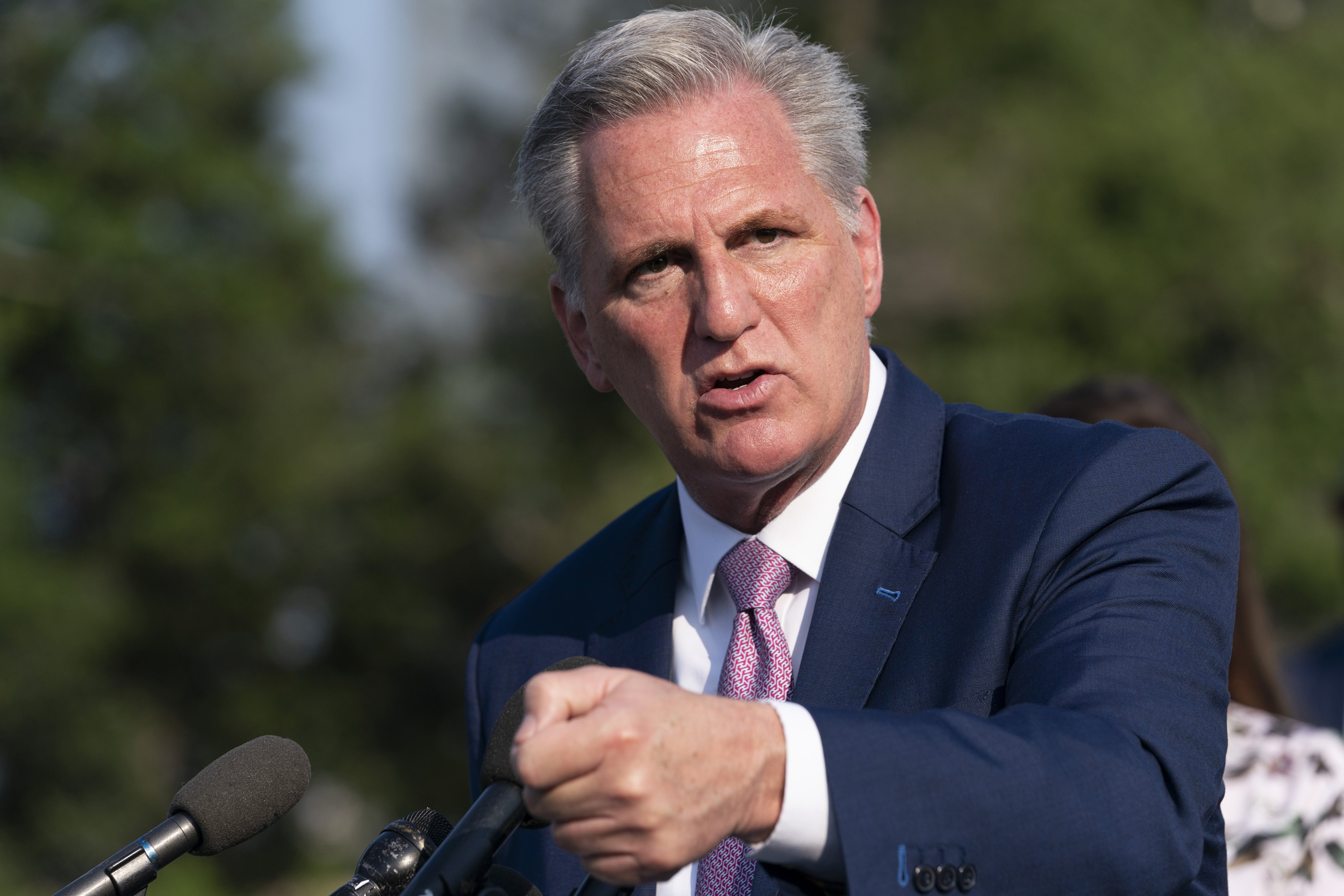 McCarthy slammed for joking 'it would be hard not to hit' Pelosi with a gavel