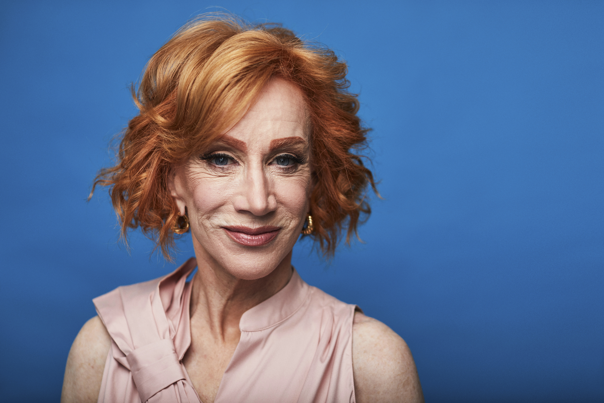 Kathy Griffin says she is undergoing surgery for lung cancer, but has never smoked