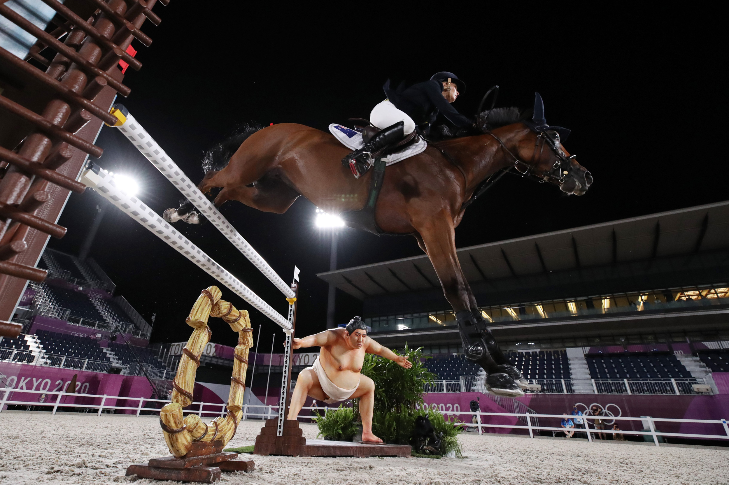 Sumo scare? Olympic riders say horses might be spooked by statue