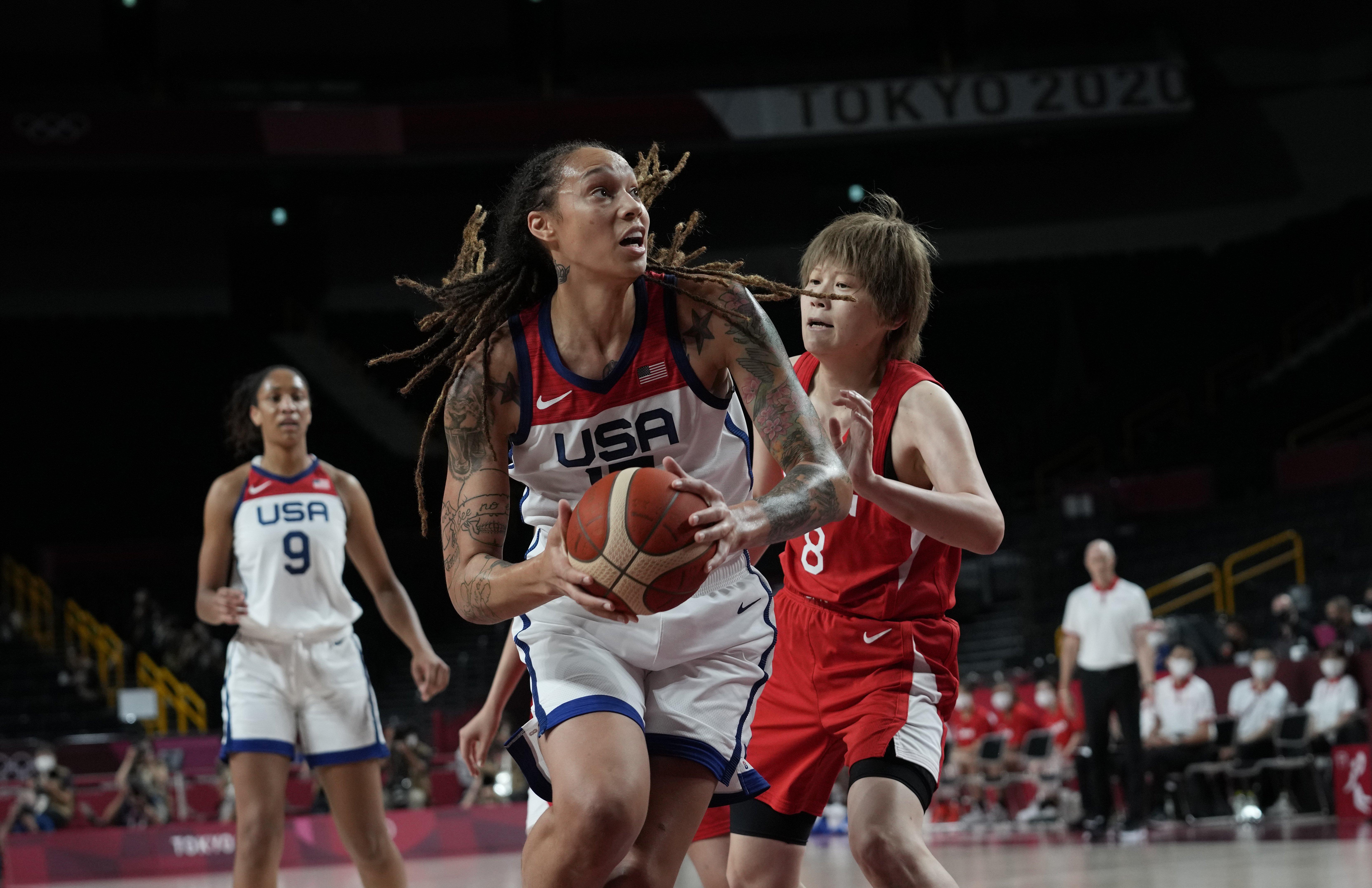 U.S. women's basketball team wins Olympic gold against Japan
