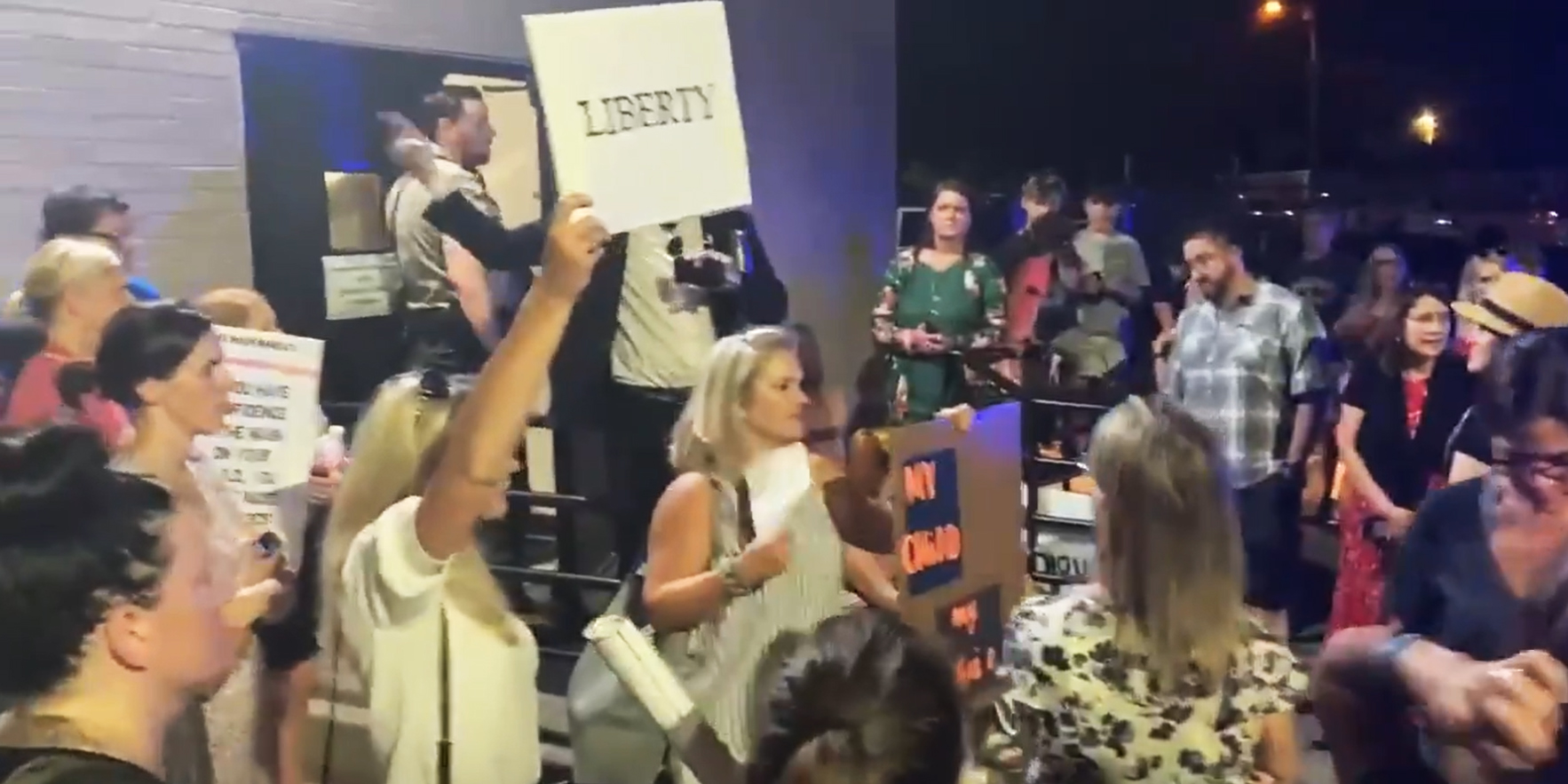 'We will find you': Tennessee parents protest school mask mandate; people in masks heckled