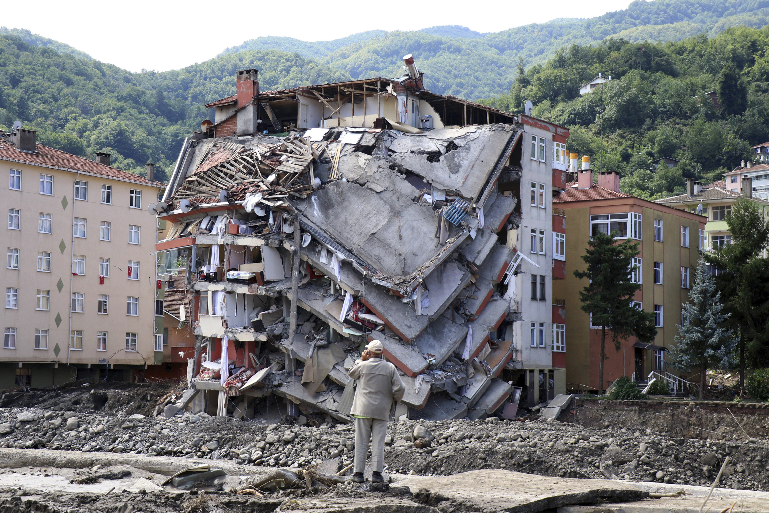 At least 44 killed by severe flooding and mudslides in Turkey