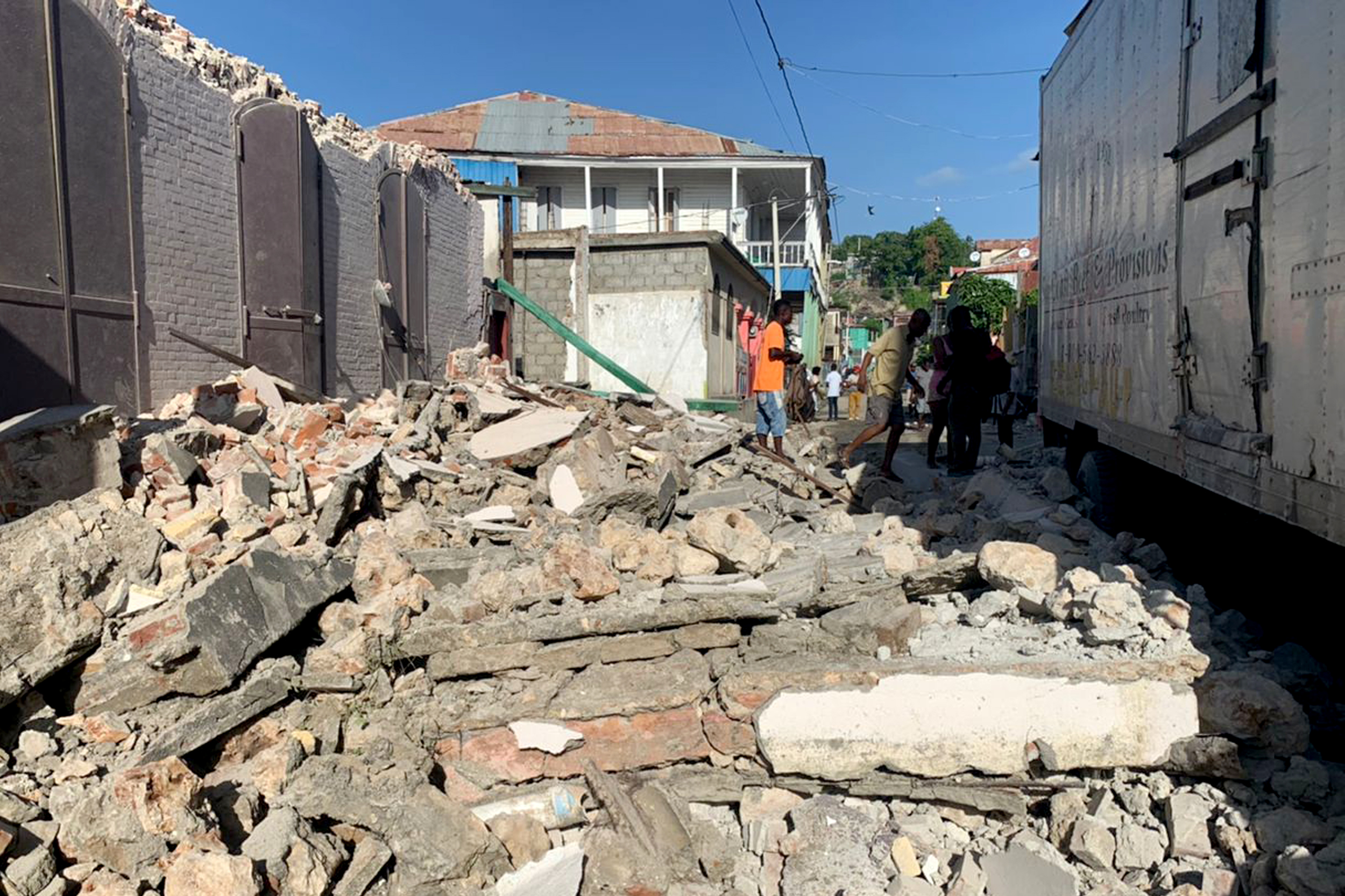 7.2-magnitude earthquake strikes Haiti