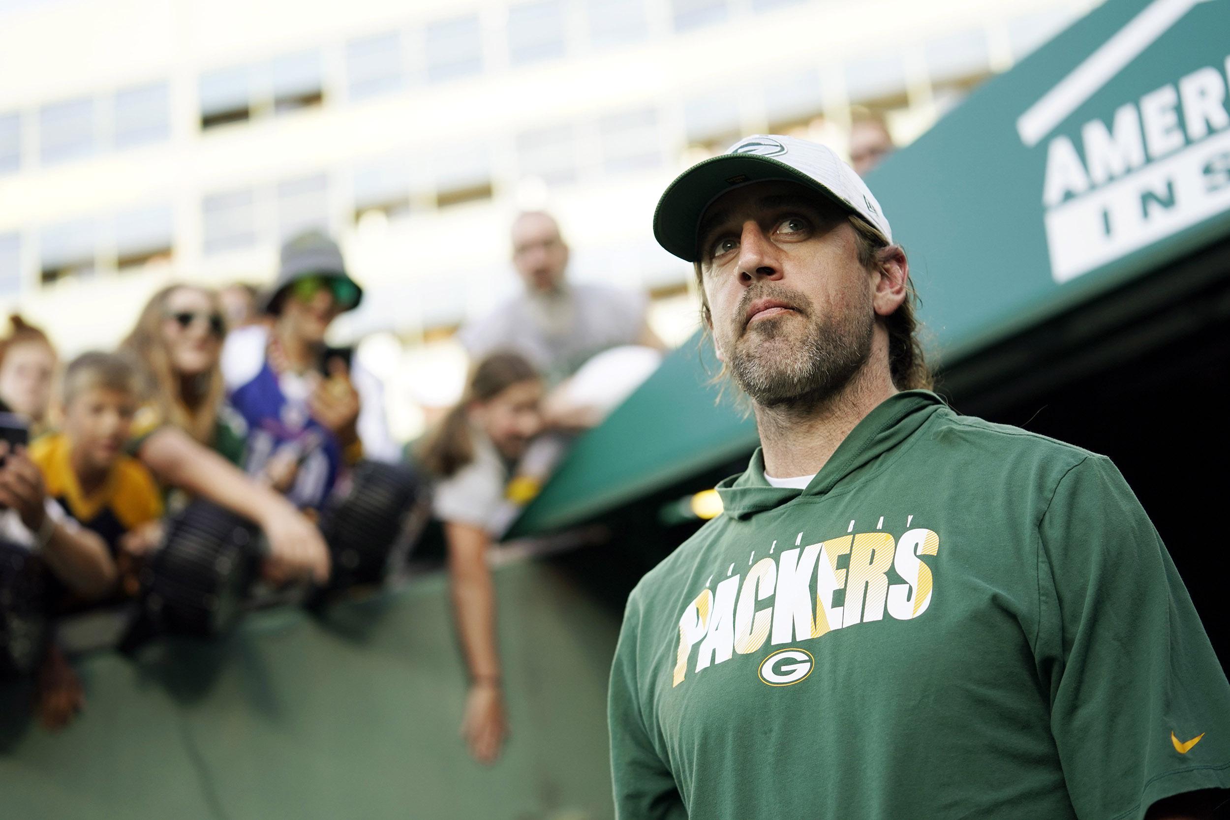 After summer turmoil, Aaron Rodgers takes zen approach to Packers season