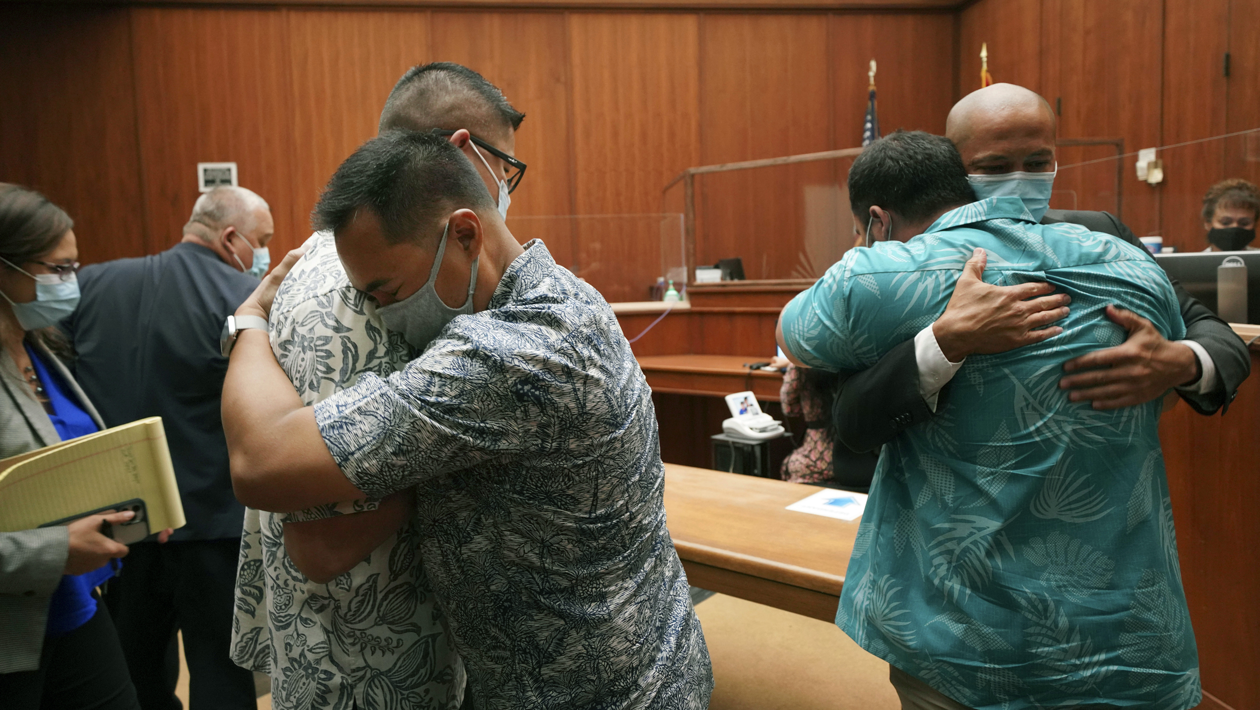 Hawaii judge drops murder, attempted murder charges for officers in teen's killing