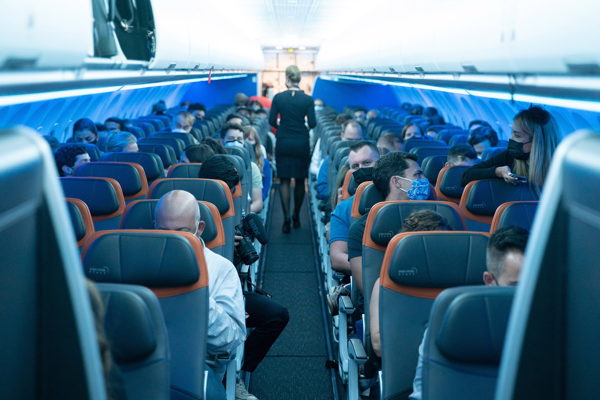 Proposed fines for unruly passengers top $1 million, FAA says