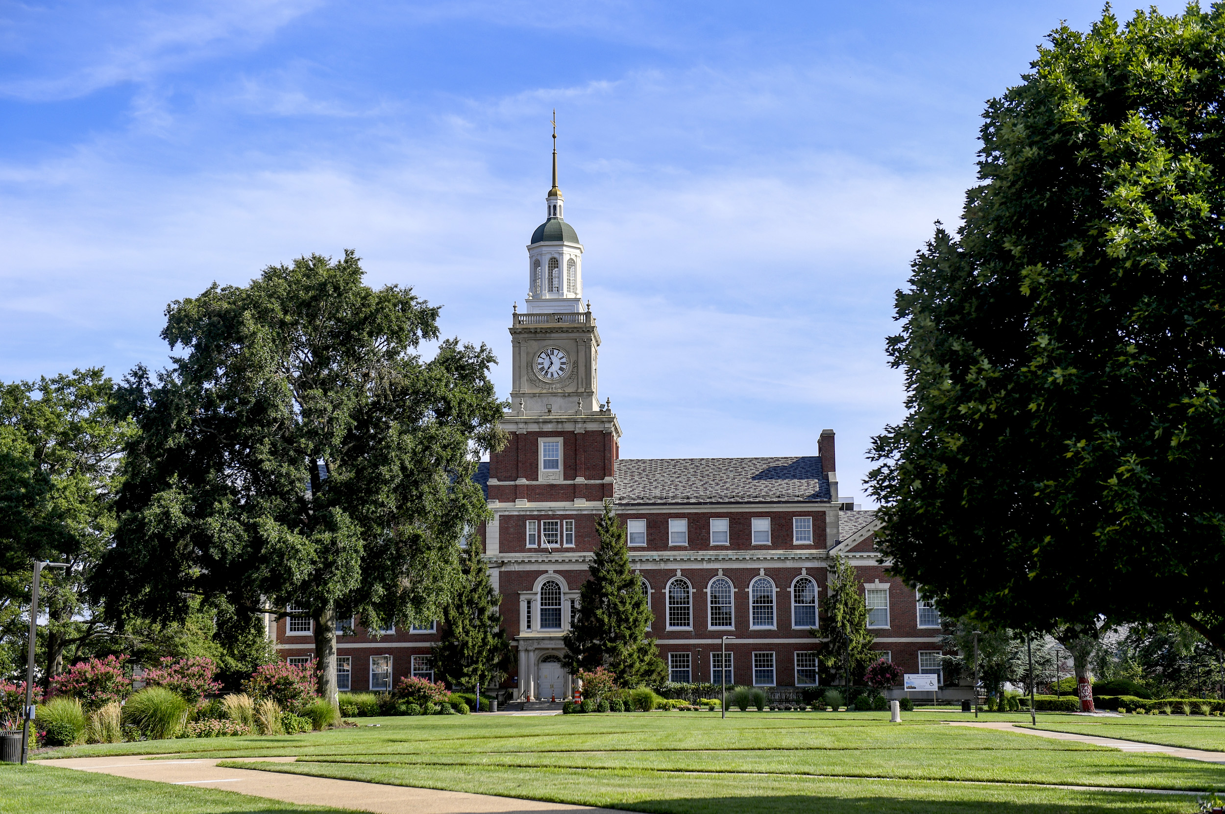 HBCUs grapple with vaccination mandates as students return to campus