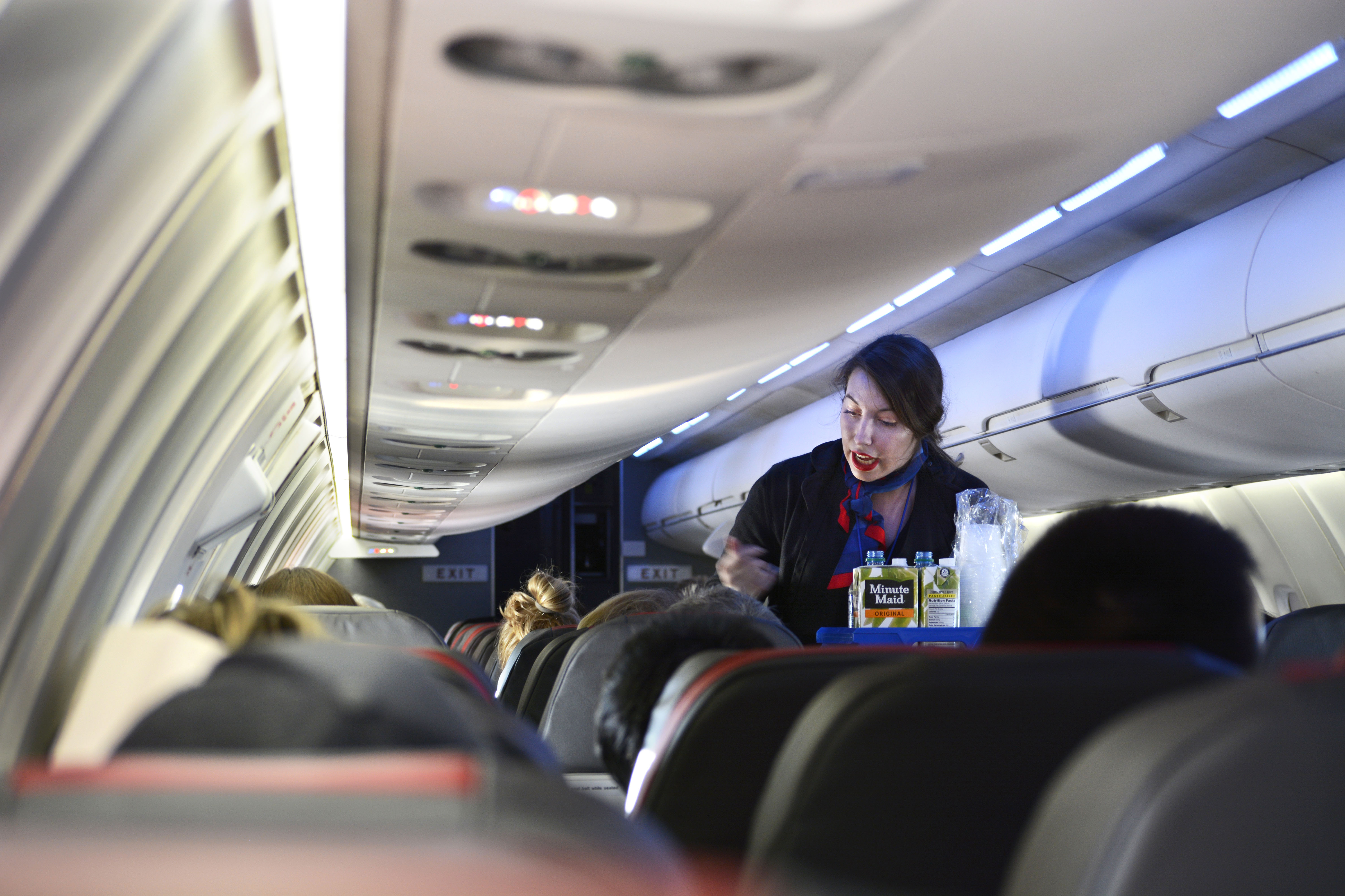 American Airlines extends ban on alcohol sales to main cabin passengers until 2022