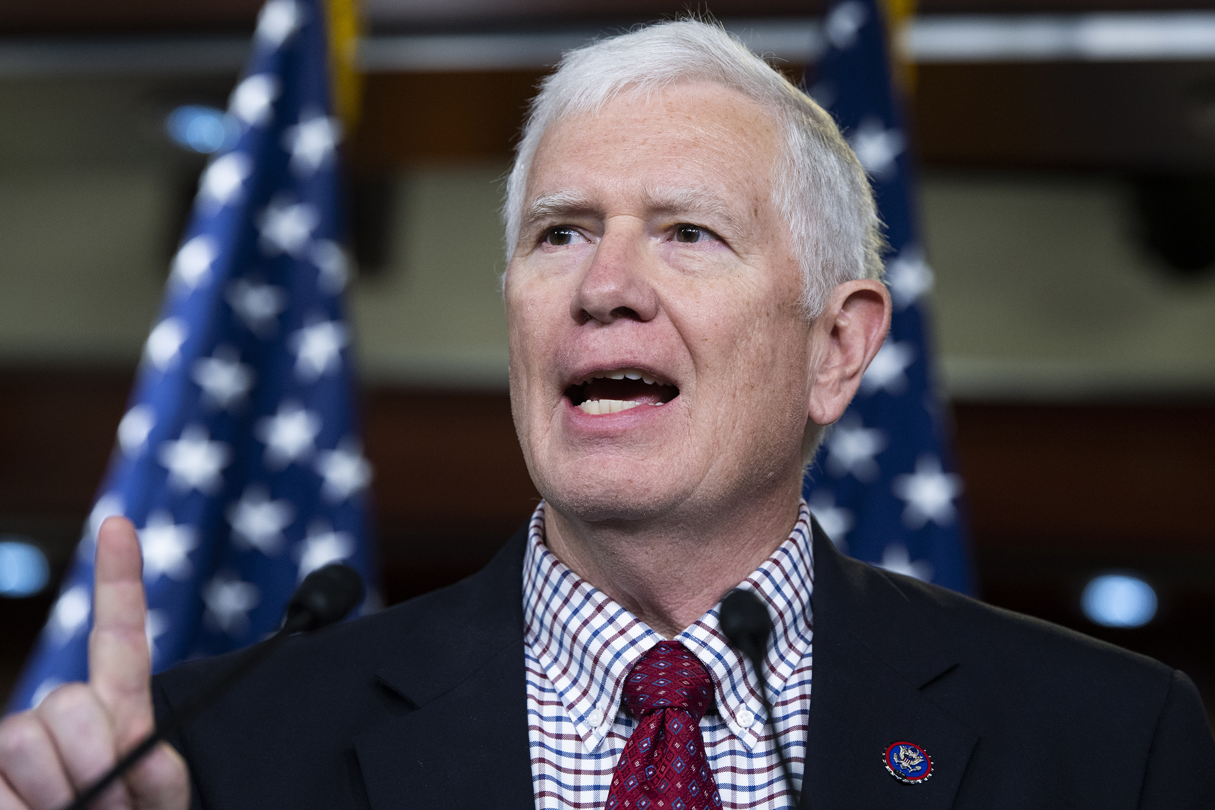 GOP Rep. Mo Brooks slammed by fellow lawmakers for statement about D.C. bomb threat suspect