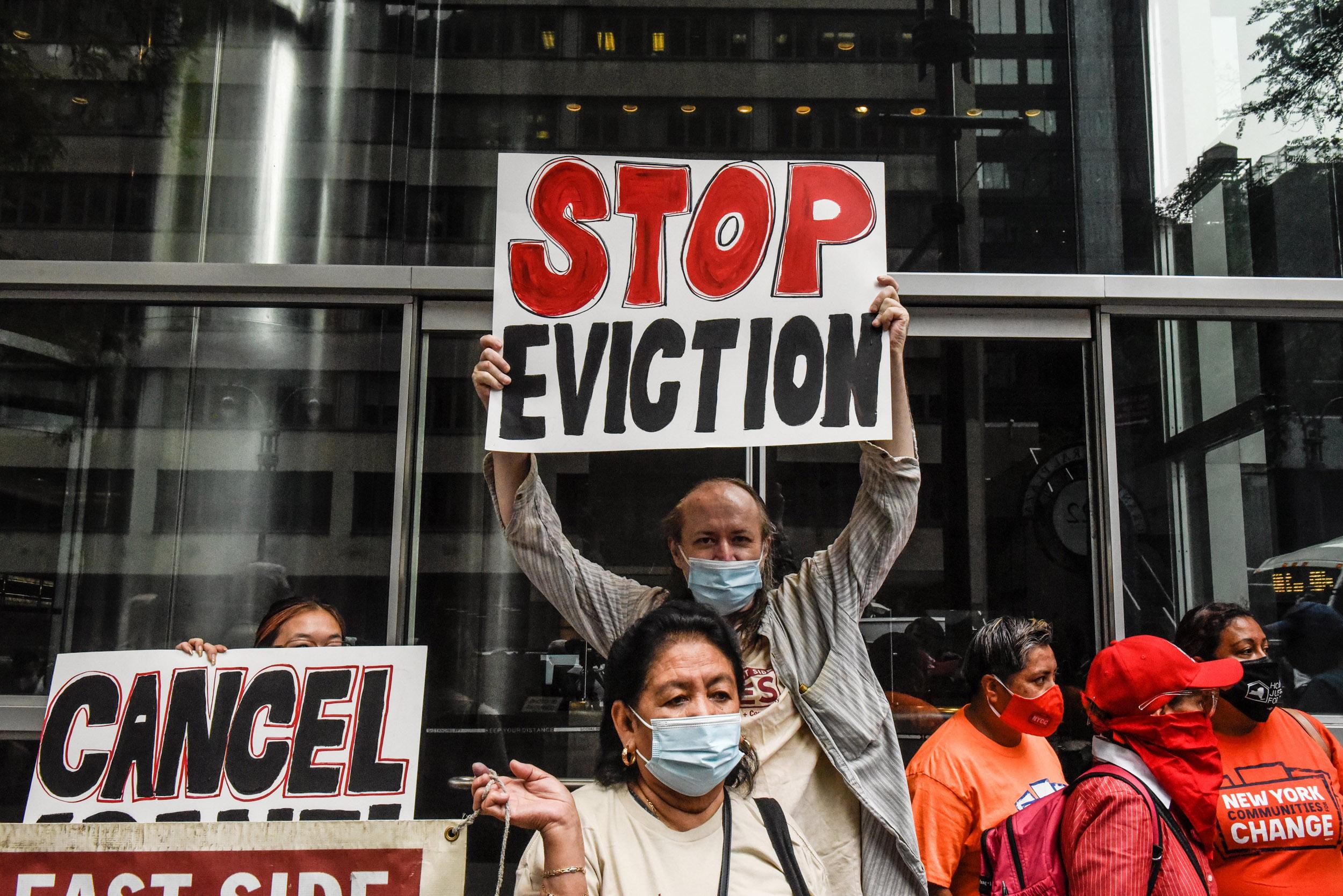 Appeals court won't block Biden administration's eviction moratorium