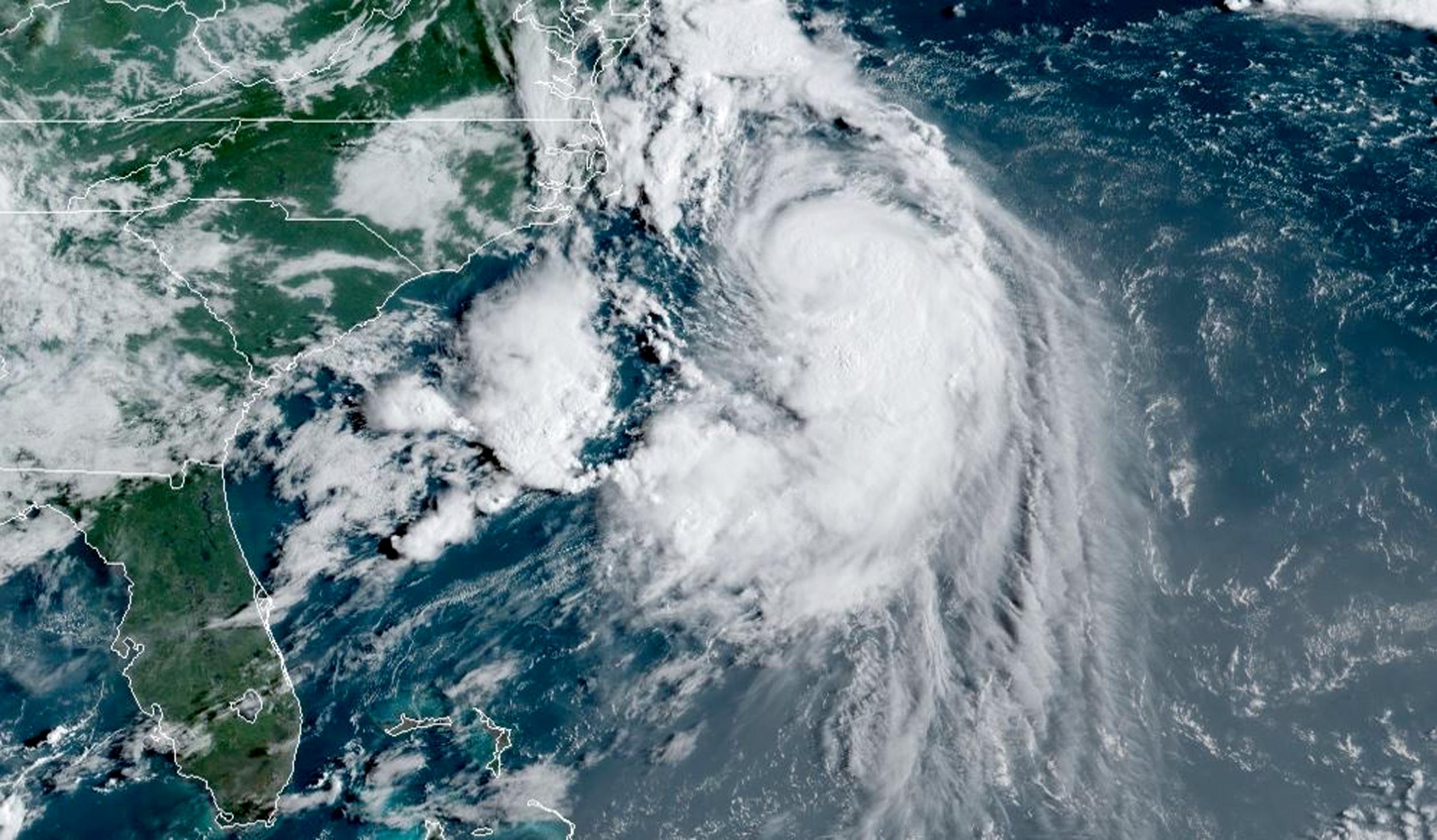 N.Y. Gov. declares state of emergency as hurricane Henri nears coast