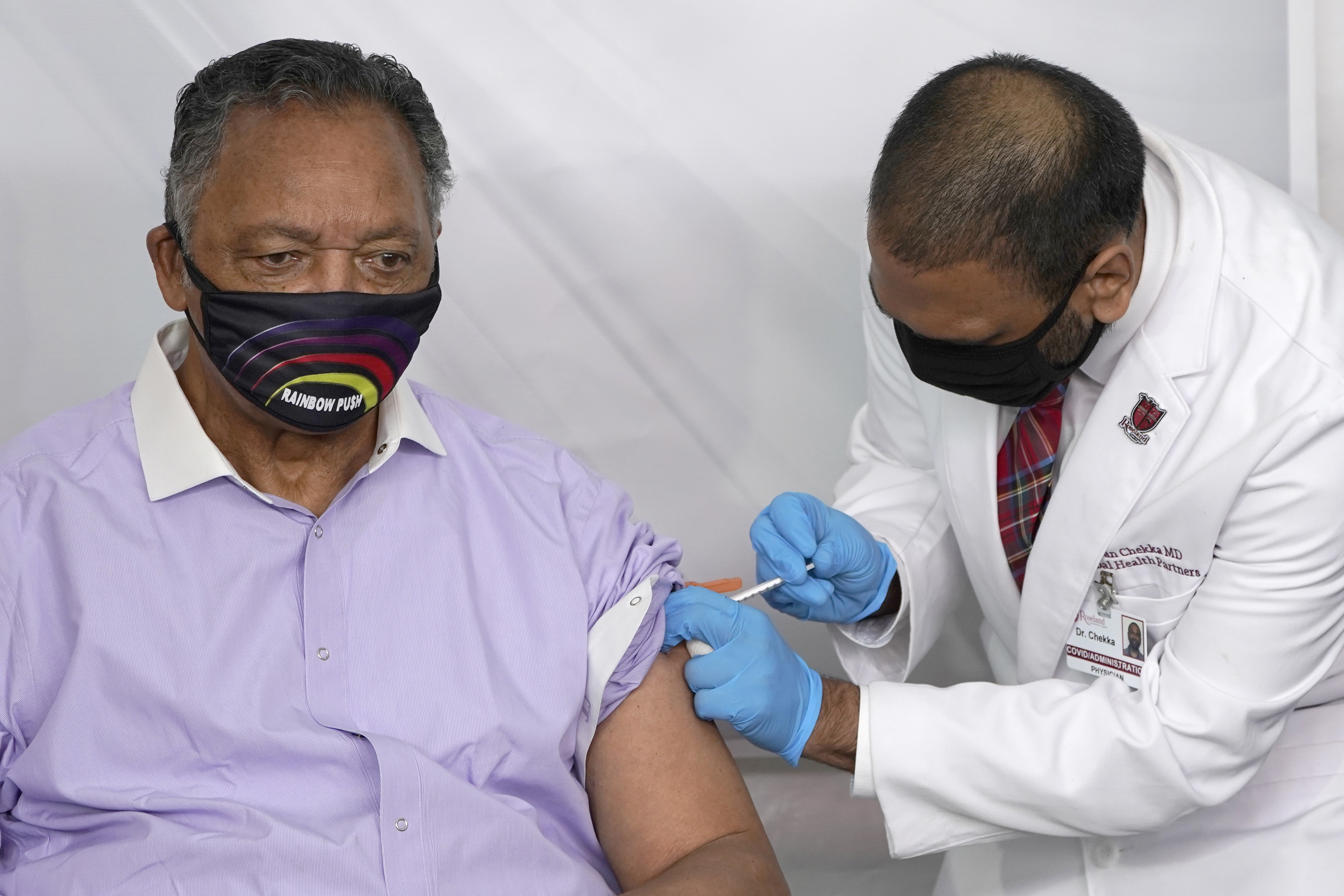 Jesse Jackson and wife 'responding positively' to Covid-19 treatment